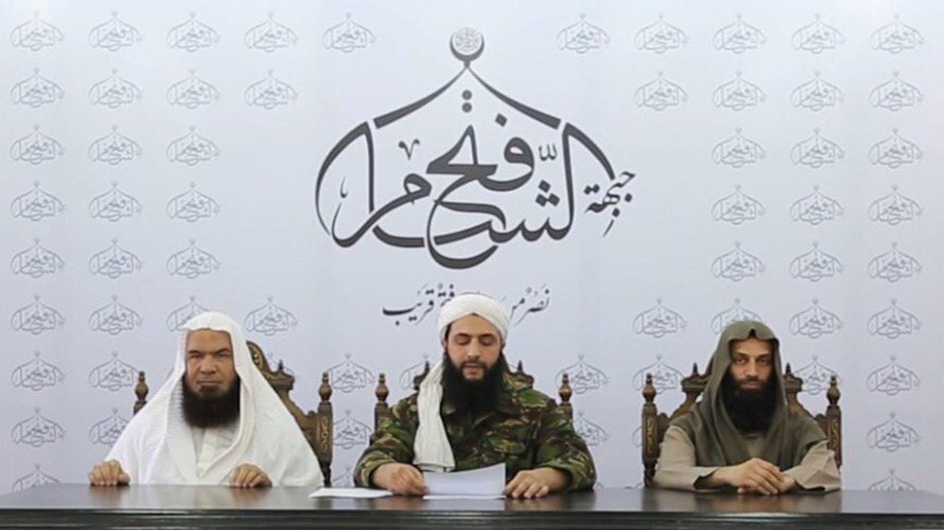 Dirigentes del Frente al Nusra difundieron un mensaje grabado para anunciar su ruptura con Al Qaeda (@jenanmoussa)