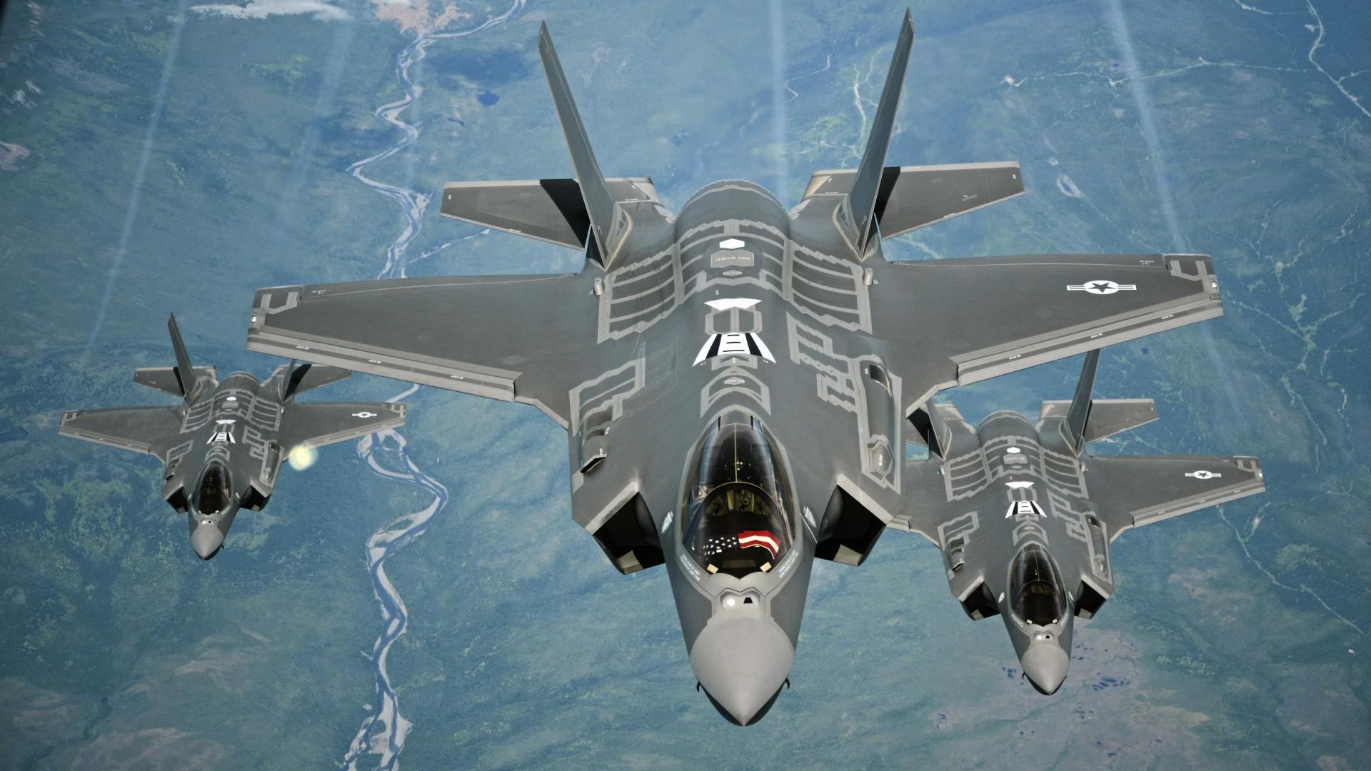Tres F-35 estadounidenses, los cazas más caros de la historia