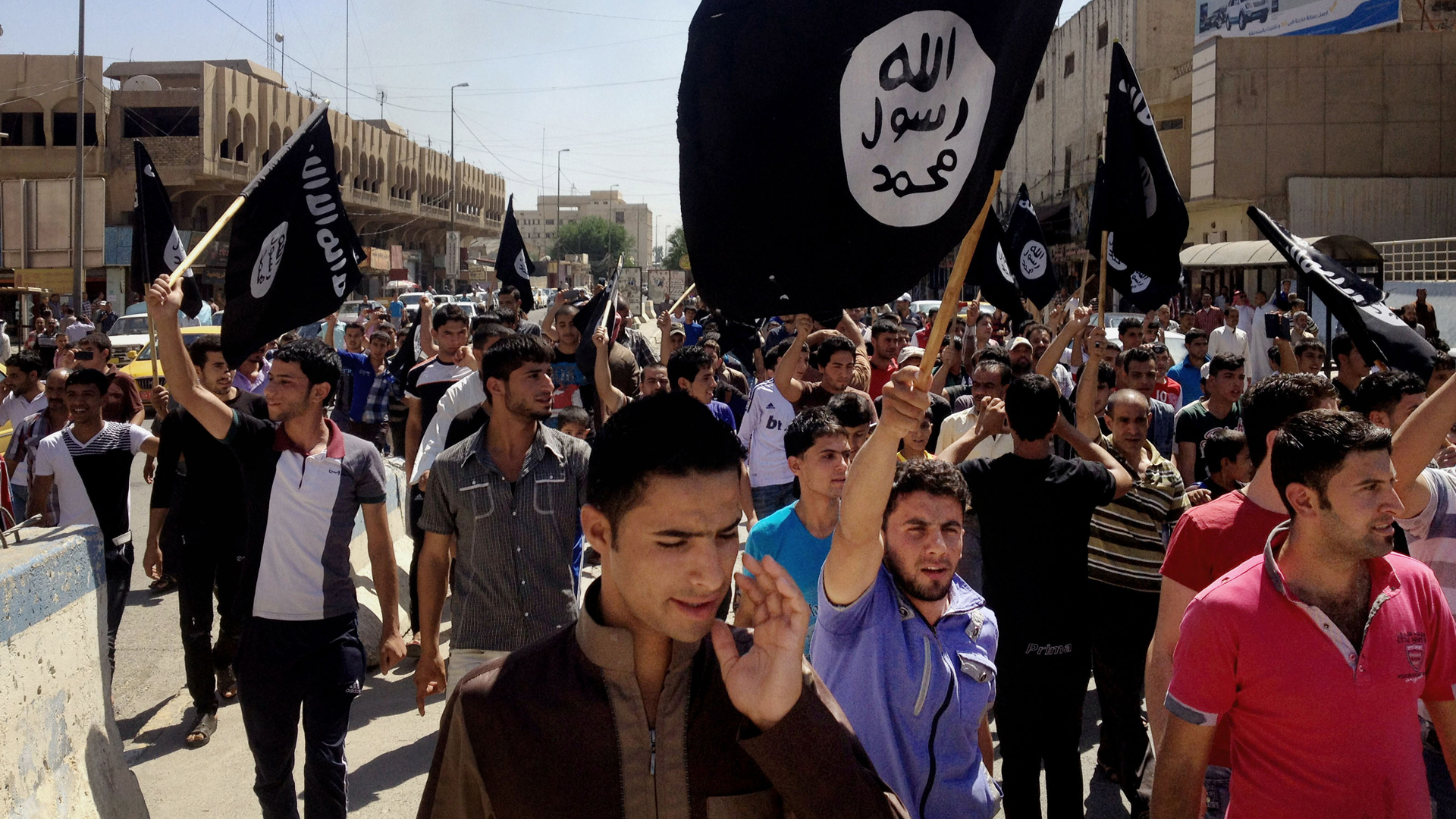 Simpatizantes y miembros del Estado Islámico en Mosul (AP)