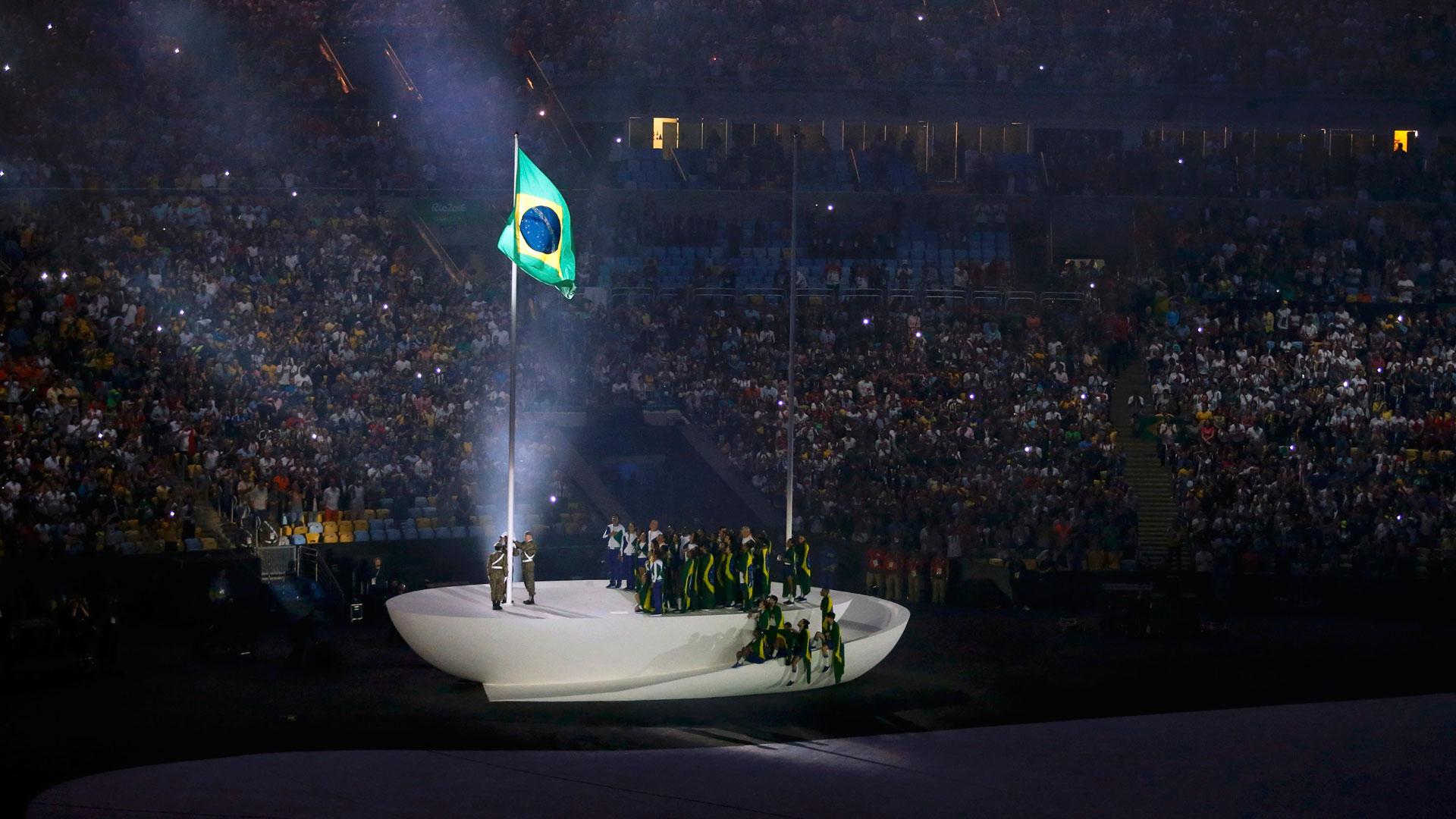 La bandera de Brasil flameó en el escenario principal (Reuters)