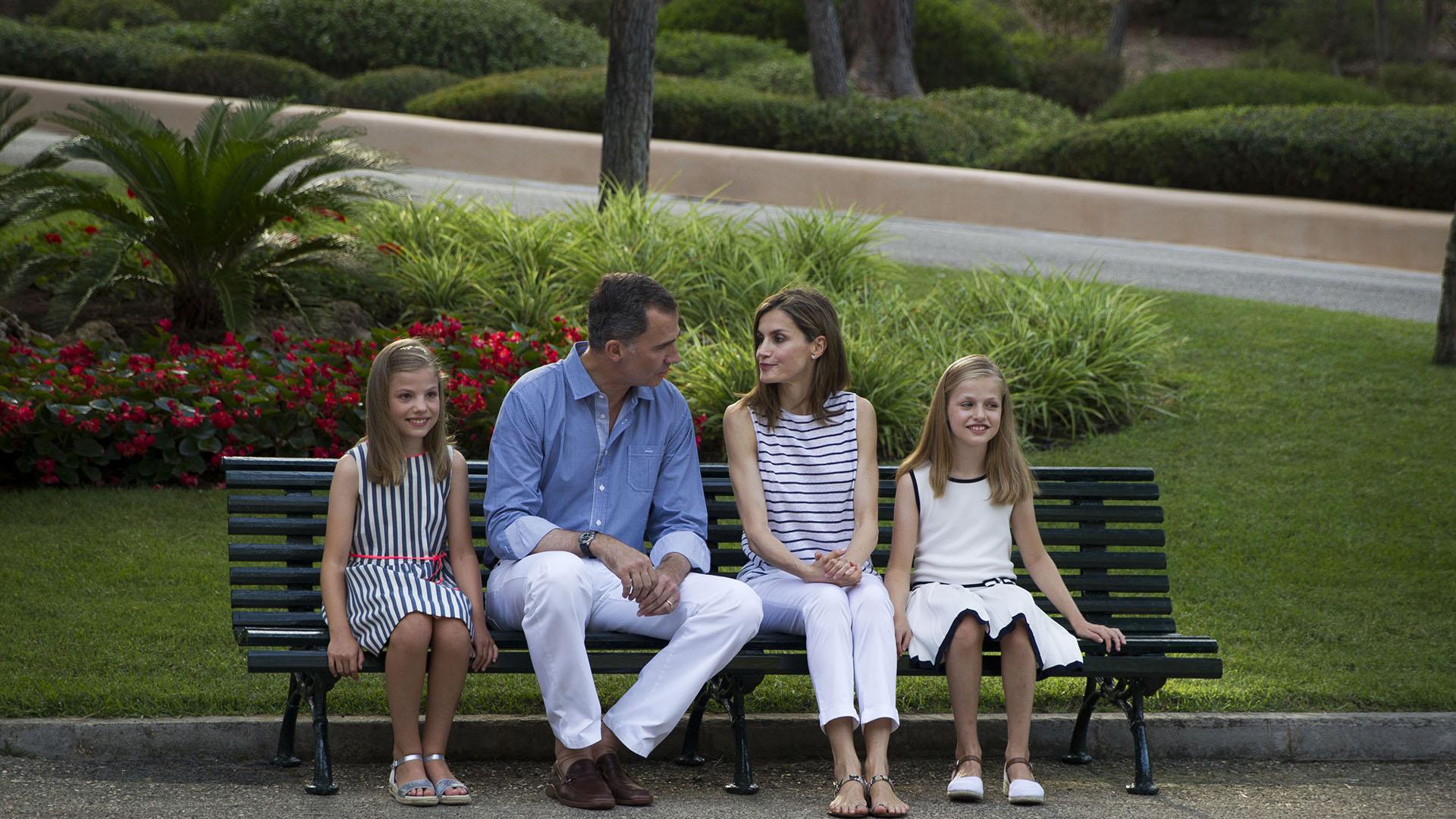 Otro viaje de vacaciones en familia. A pesar de los rumores de divorcio, en cada ocasión los reyes se muestran cercanos.
