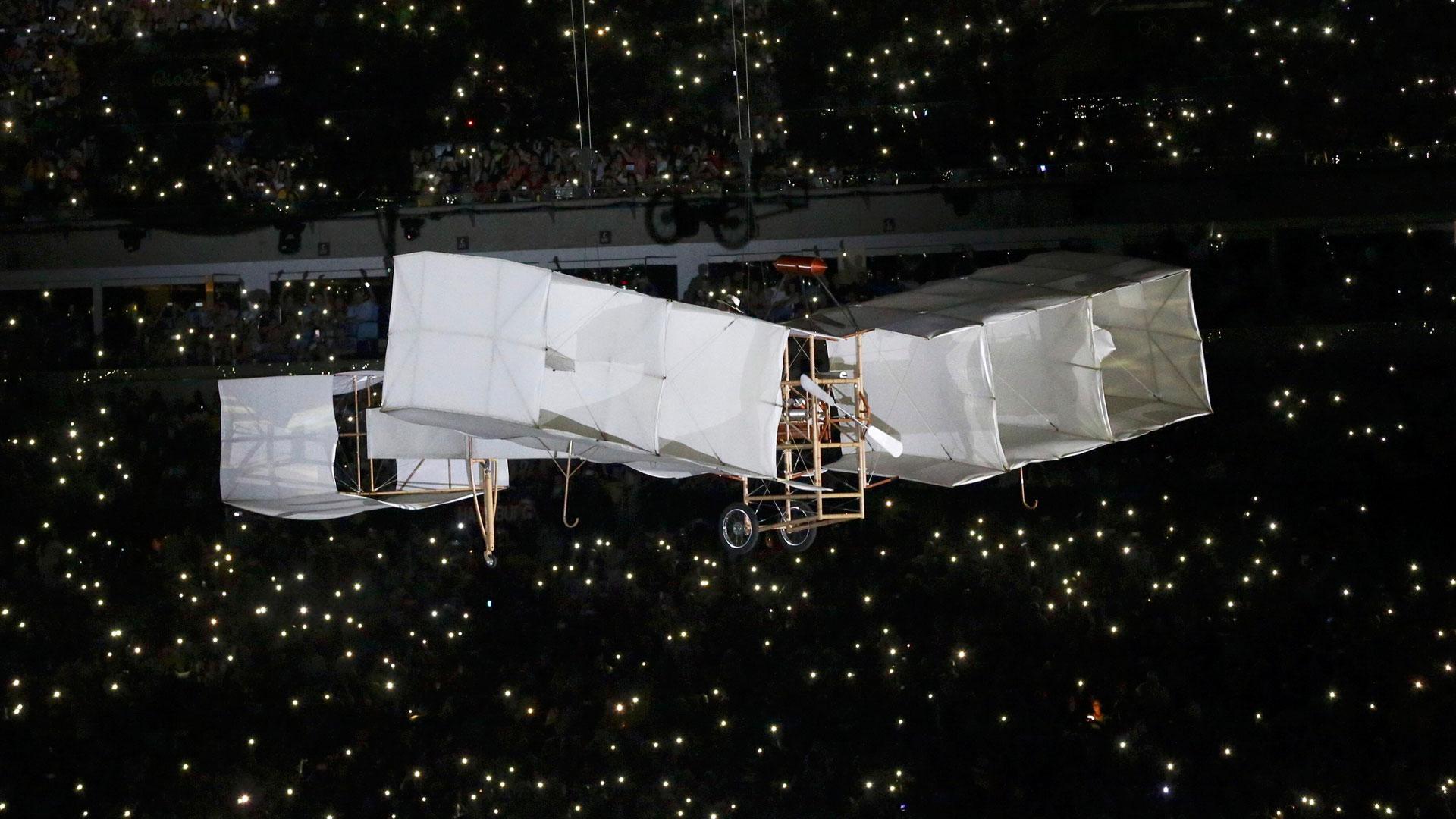 Hubo un homenaje al aviador Santos Dumont (Reuters)