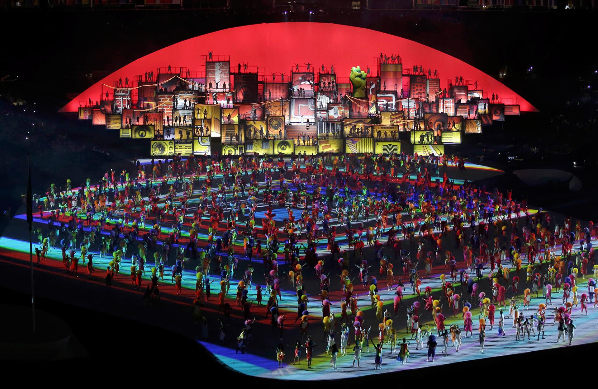Seis mil artistas actuaron en la apertura (Reuters)