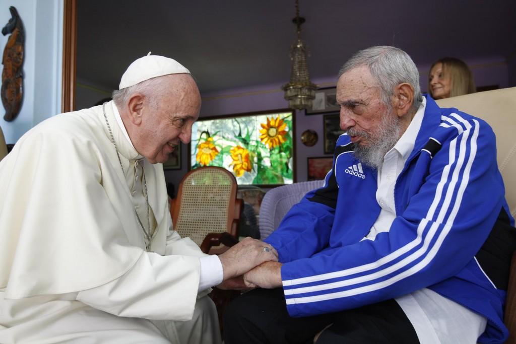 El papa Francisco junto a Fidel Castro. (Septiembre, año 2015) (AP)