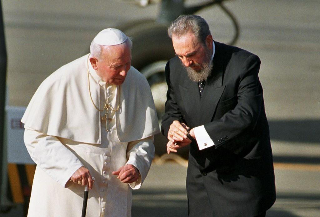 Enero, año 1998. Junto a Juan Pablo II (AP)