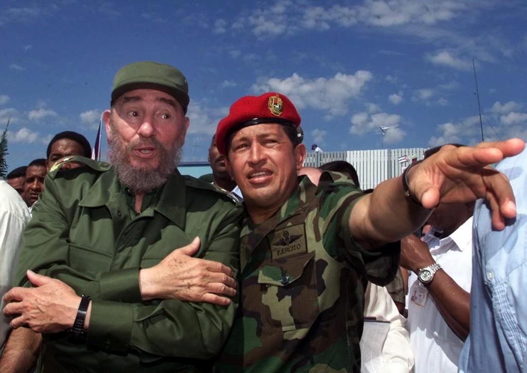 Con el presidente venezolano Hugo Chavez, año 2000 (AP)