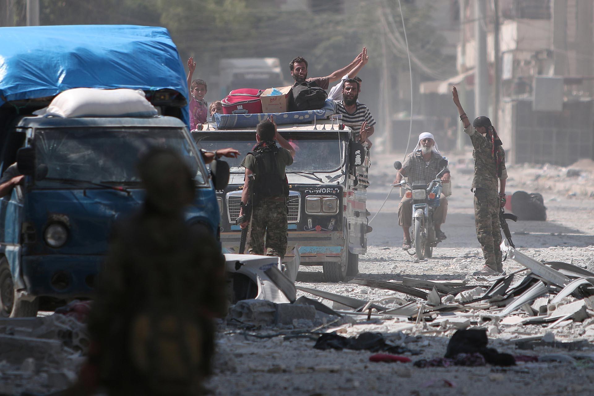 En enero de 2014 el Estado Islámico tomó el control de las calles de Manbij, a pocos kilómetros de Alepo, una de las ciudades más importantes de Siria (Reuters)