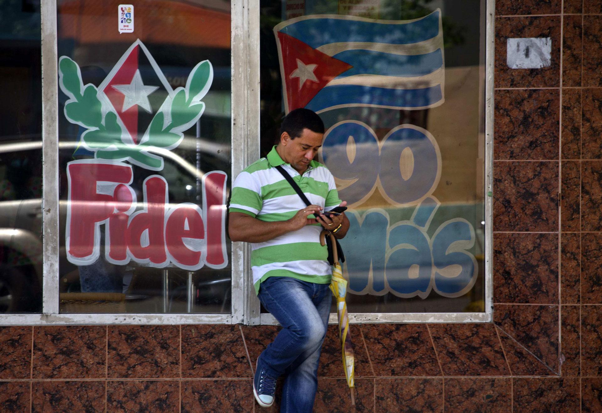 Encabezó la revolución que derrocó al dictador Fulgencio Batista en 1959 (AP)