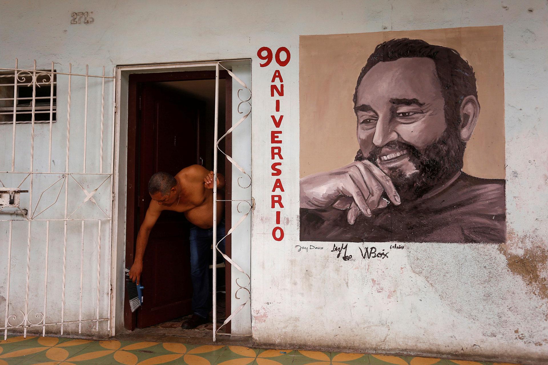 Fidel Castro cumple 90 años este sábado en un país que implementa una progresiva apertura a la iniciativa privada y el acercamiento a Estados Unidos (Reuters)