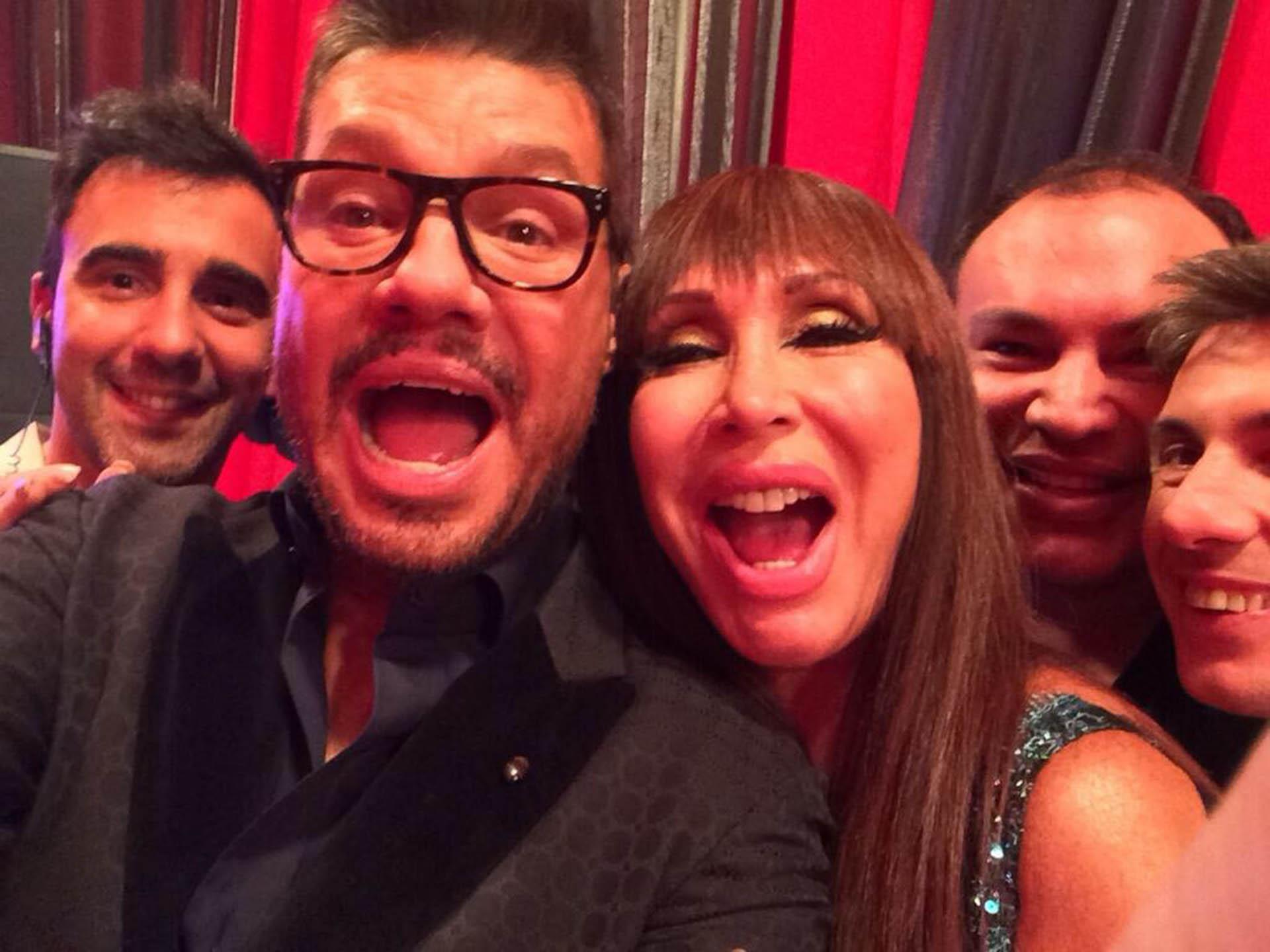Moria Casán junto a Marcelo Tinelli y la producción de ShowMatch