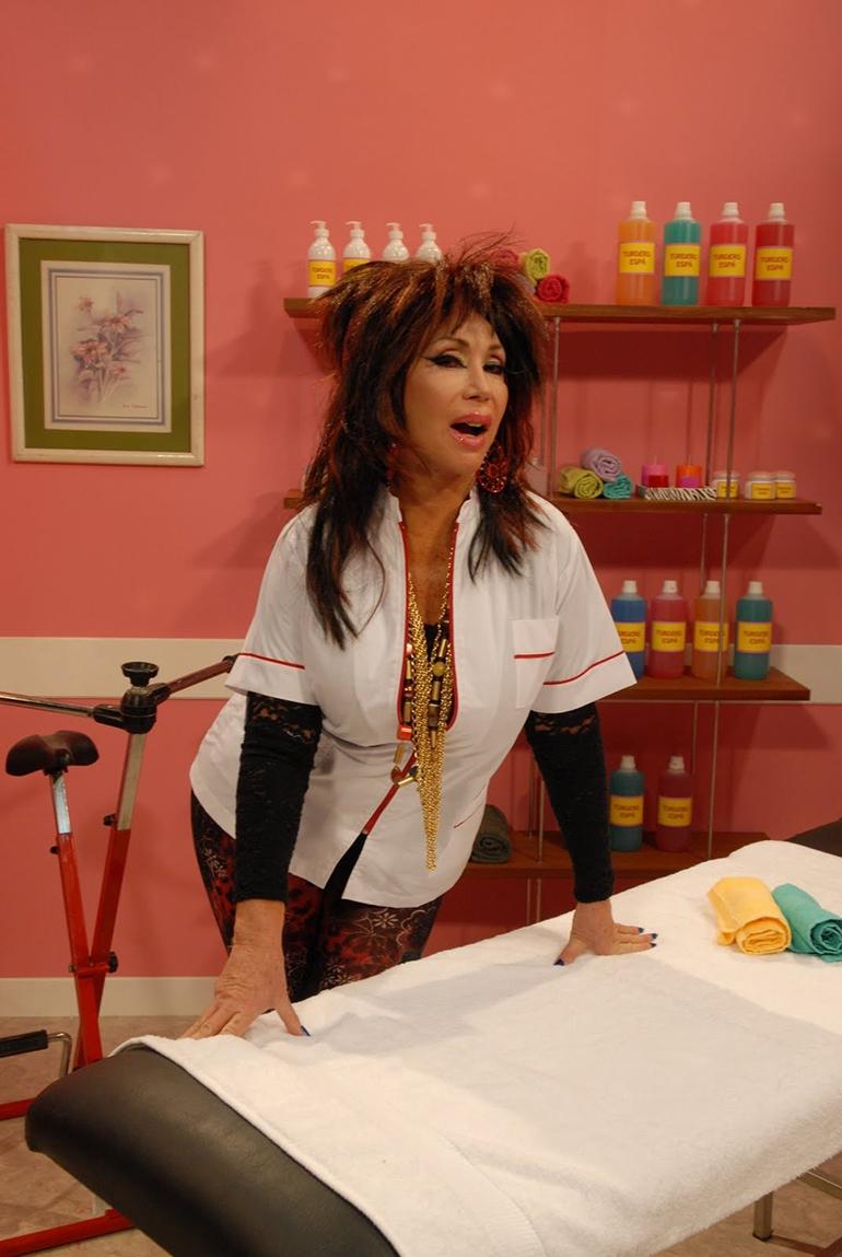 Moria Casán recreando a Rita Turdero, un de sus históricos personajes