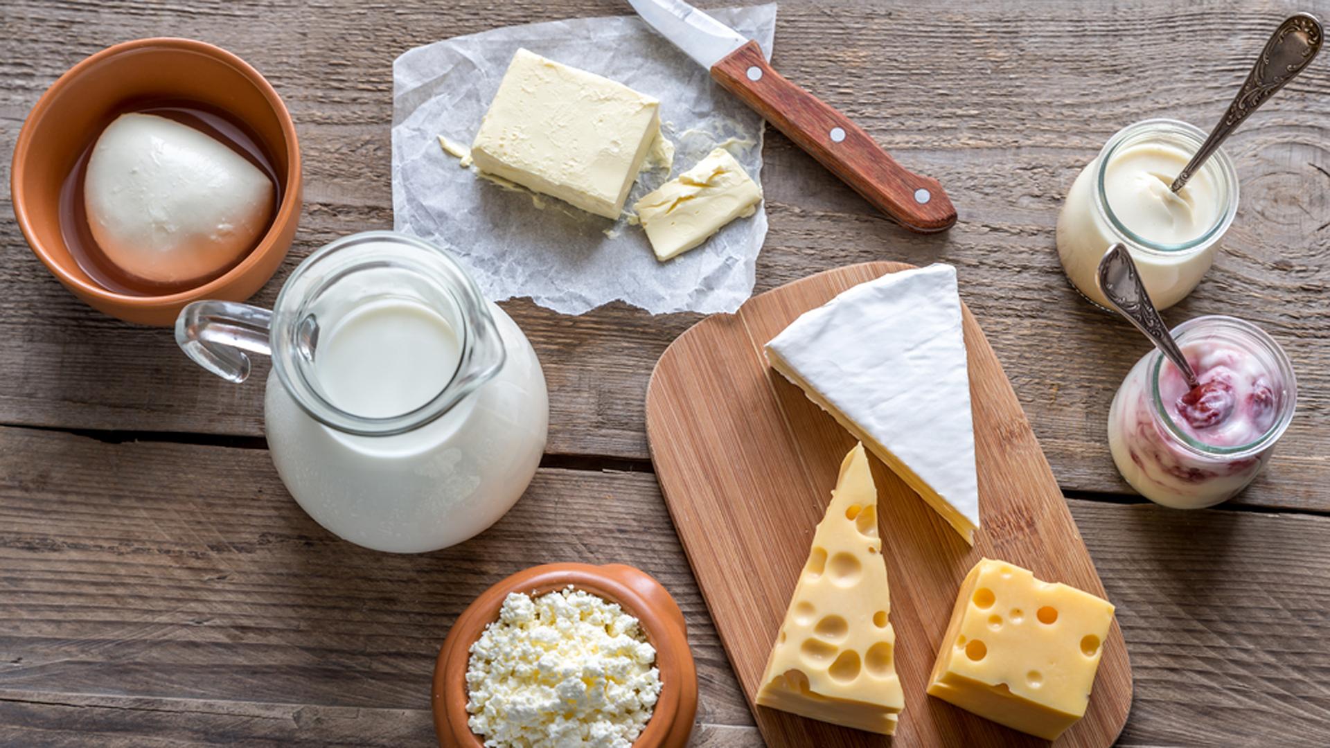 Para muchos nutricionistas, los lácteos son fundamentales en la dieta (Shutterstock)