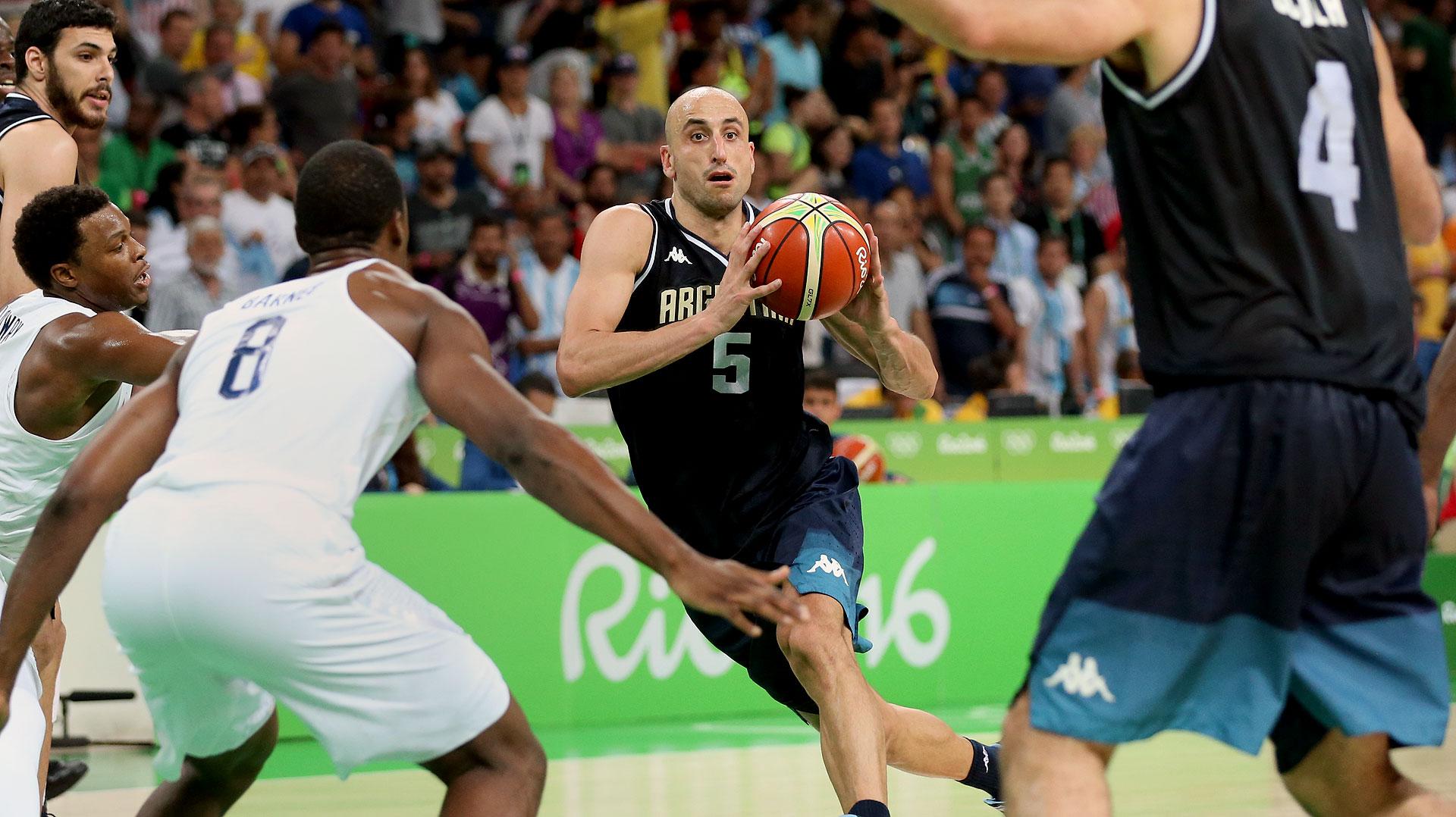 A los 39 años, Emanuel Ginóbili no pudo ganar una nueva medalla y dijo adiós a la selección argentina de básquet(Nicolás Stulberg)