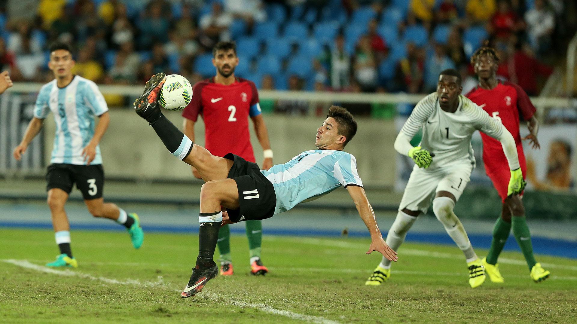 Giovanni Simeone tuvo el descuento sobre el final pero no pudo. En su debut olímpico Argentina cayó ante Portugal (Nicolás Stulberg)