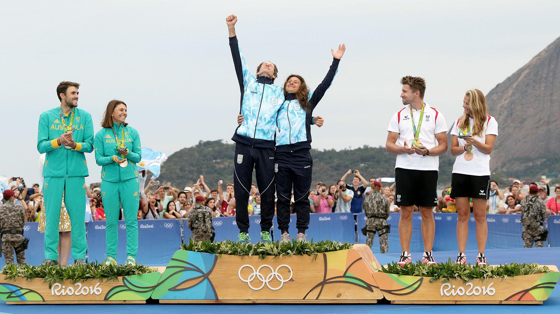 El binomio argentino formado por Santiago Lange y Cecilia Carranza logró el oro en los Juegos Olímpicos en la clase Nacra 17 de yachting (Nicolás Stulberg)