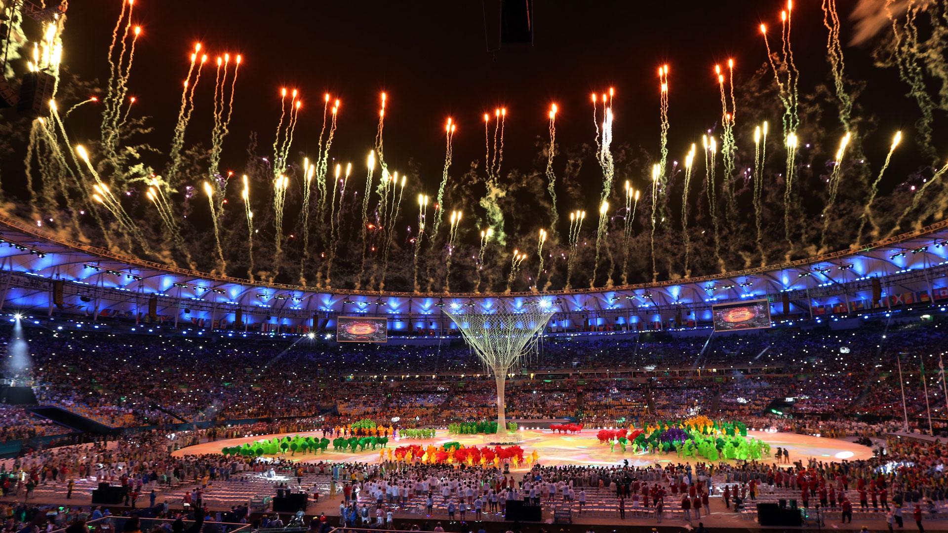 Las comparsas participaron del cierre de Río 2016 (AP)