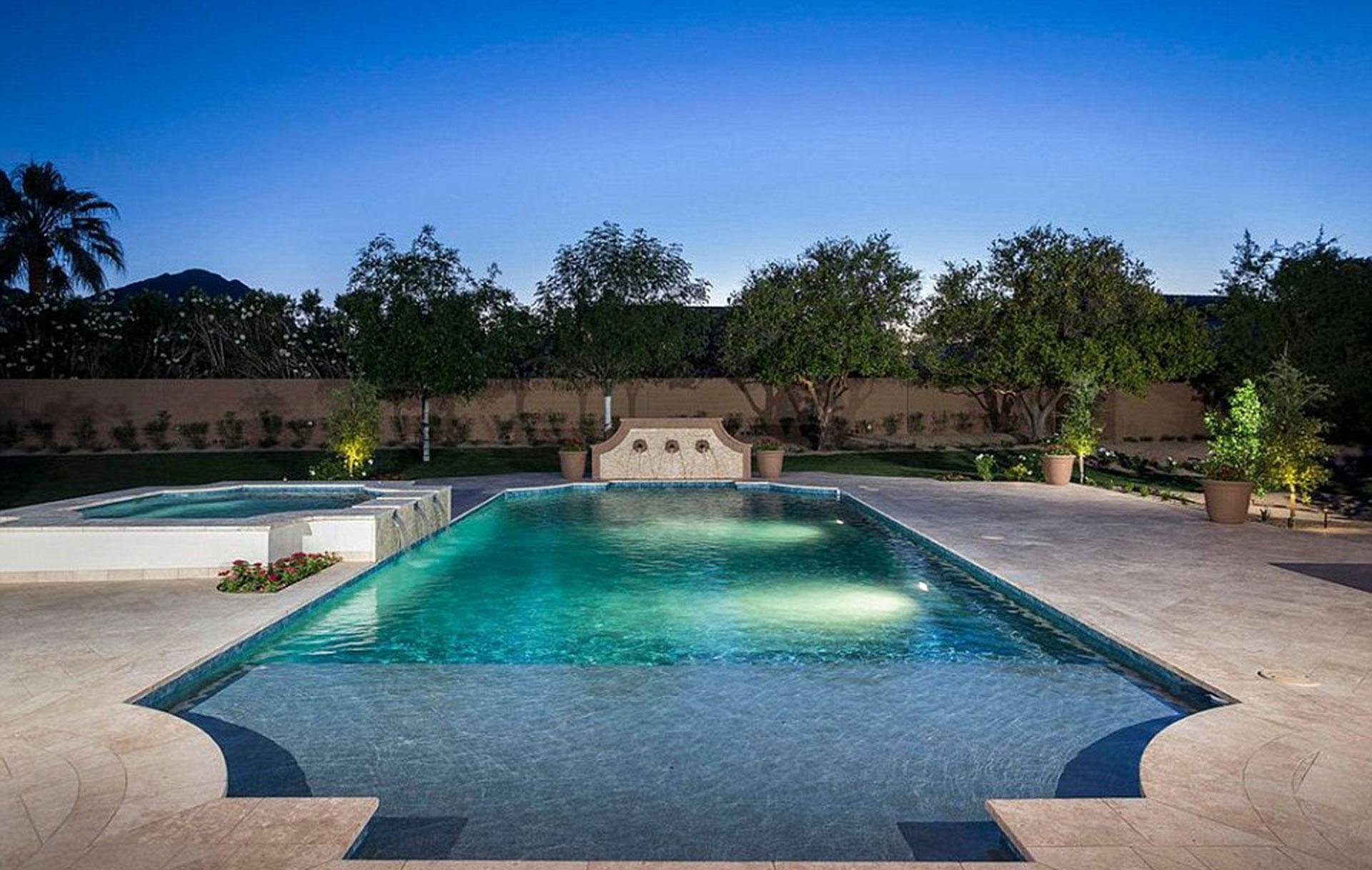 La piscina que corona la mansión de Michael Phelps