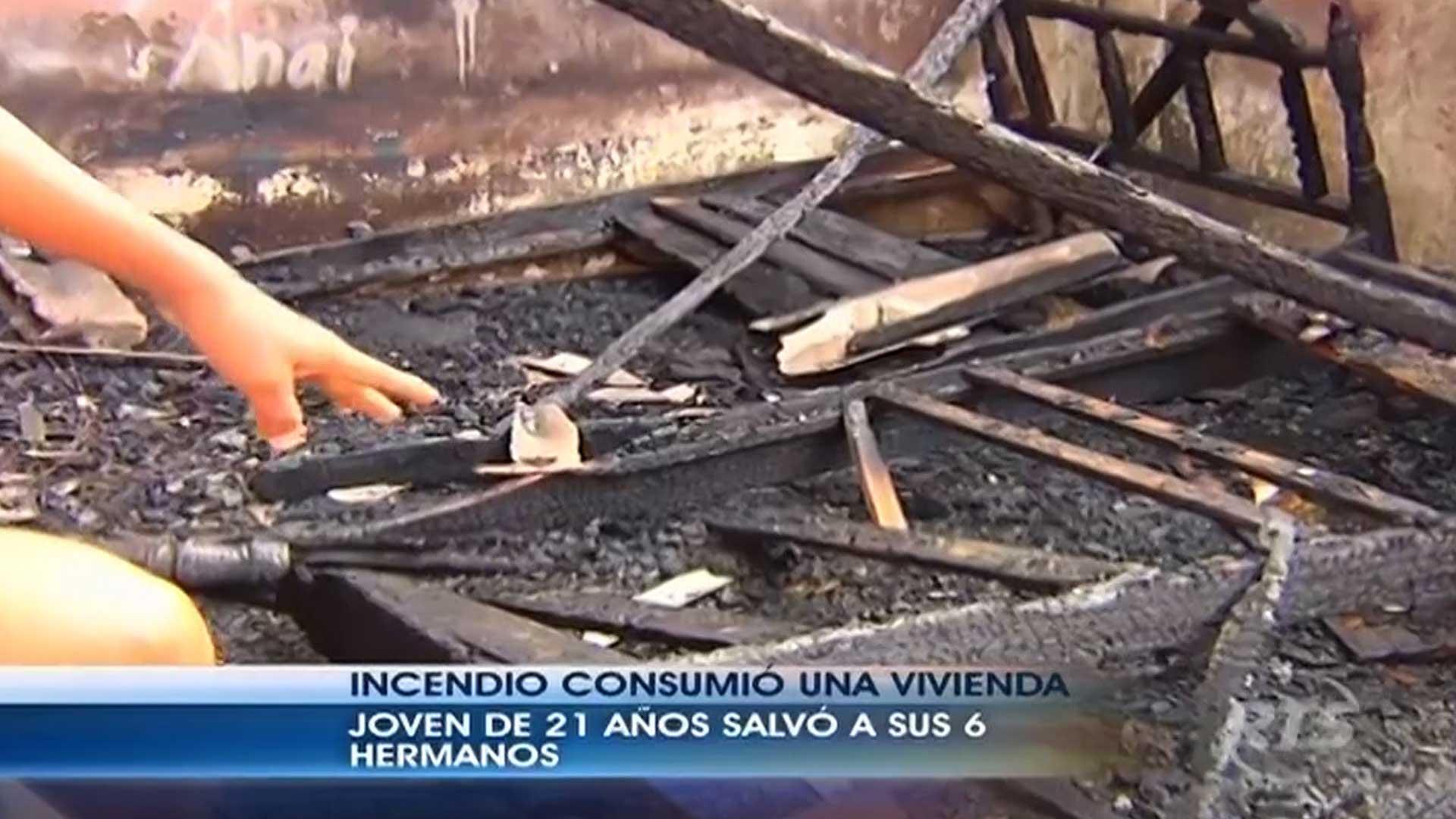 Ecuador: un joven salvó a sus seis hermanos de un incendio