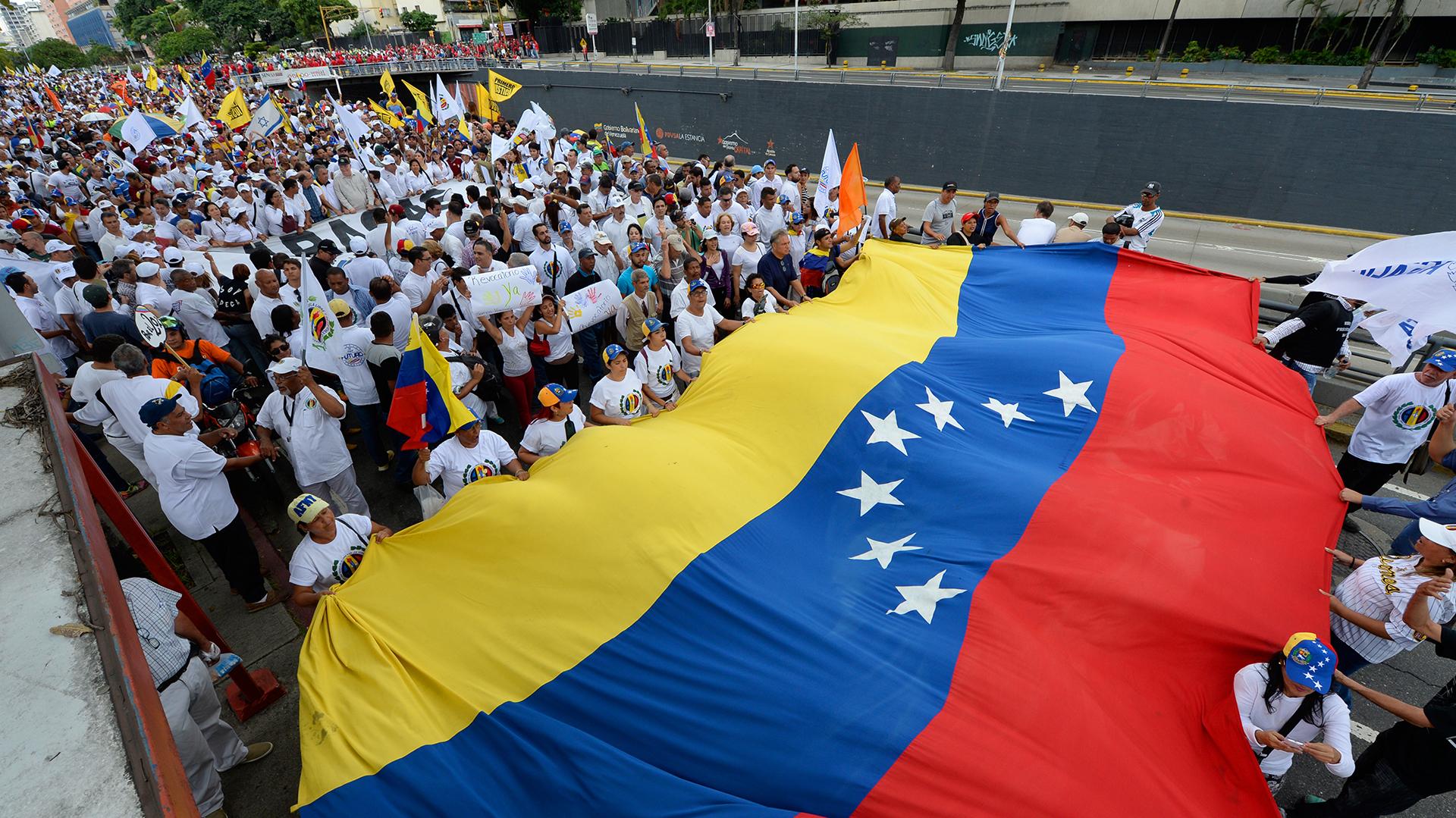 Los venezolanos exigen que se active el referendo revocatorio contra Nicolás Maduro (AFP)