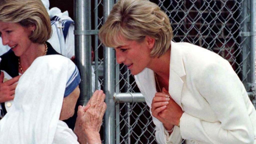 La Madre Teresa junto con la princesa Lady Diana