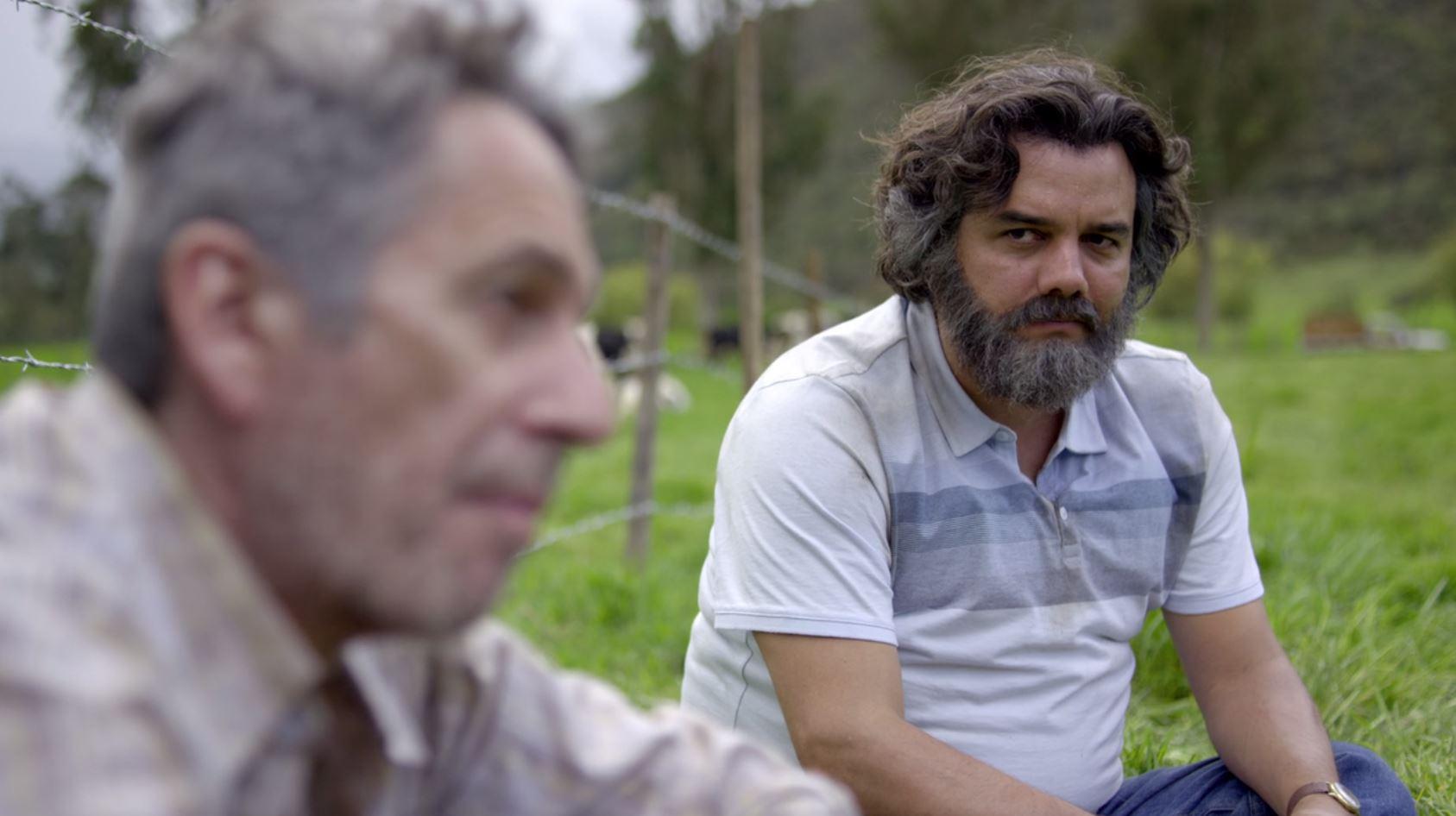Una de las escenas en la que se puede ver una tensa conversación entre Pablo Escobar y su padre Abel