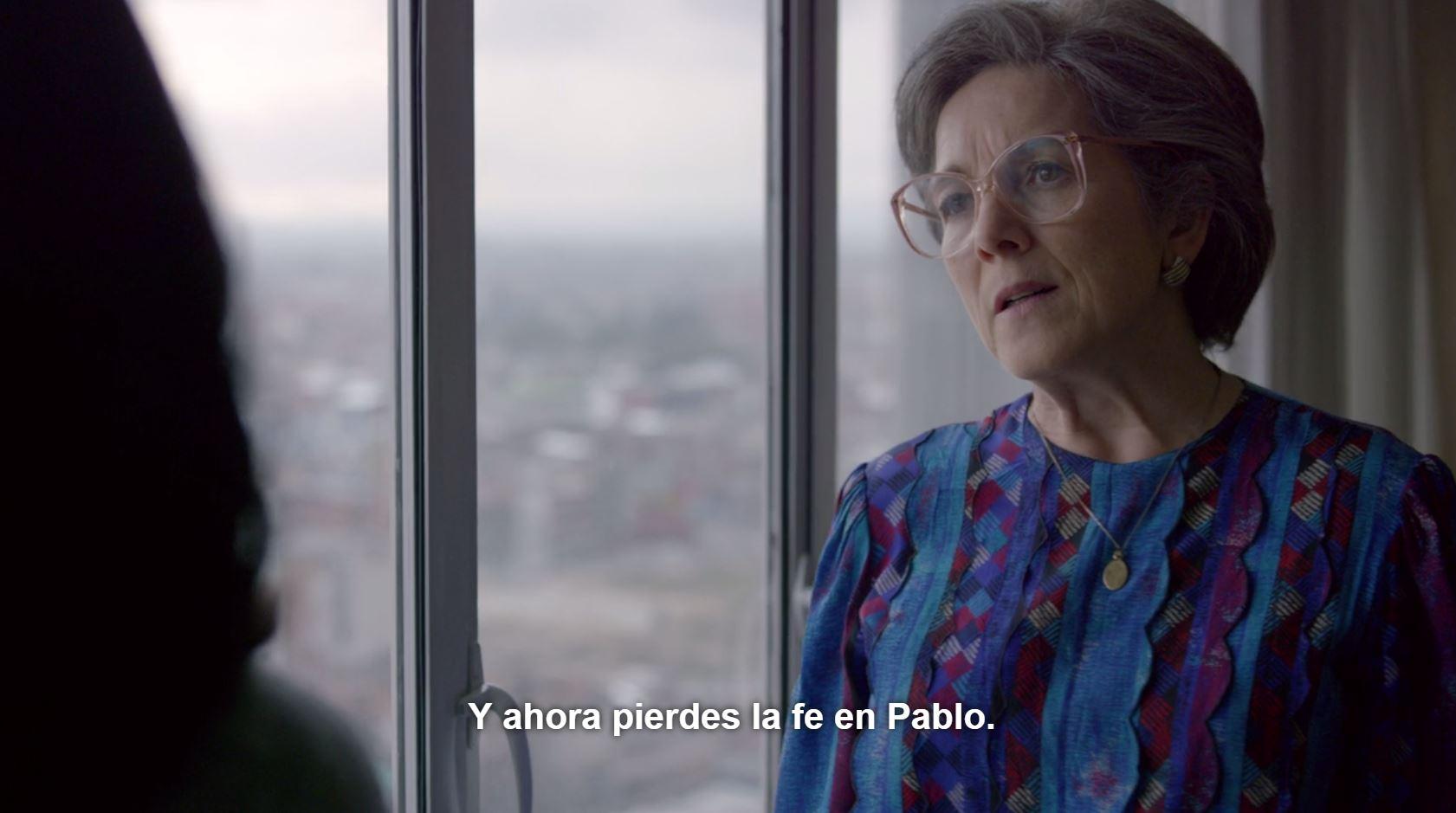 A Hermilda de los Dolores Gaviria Berrío, la madre de Pablo Escobar, se la muestra inseparable de su hijo. Su nieto no cree lo mismo