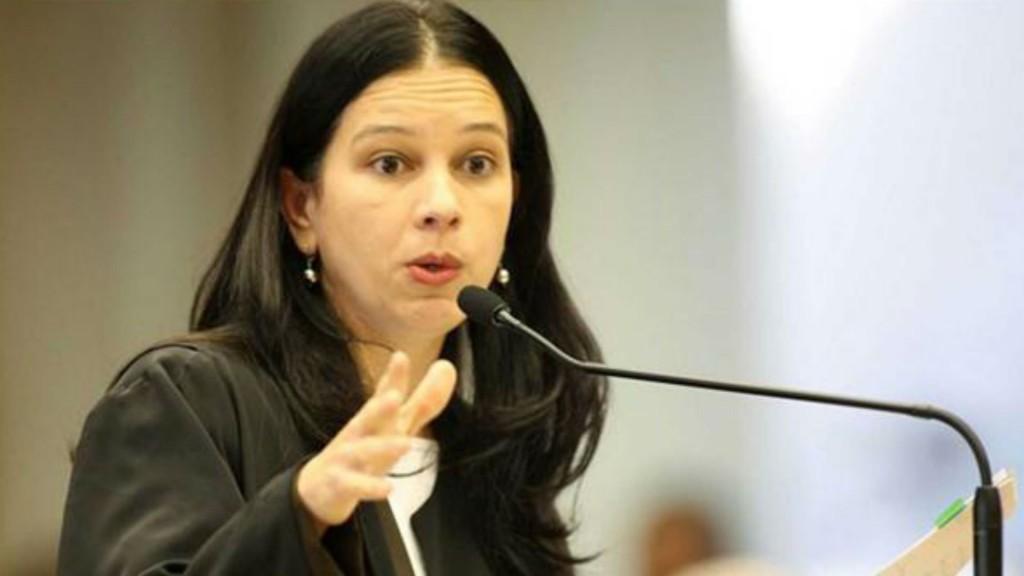 Grace Maria Fernandes Mendonça es la primera mujer en el gobierno de Temer. Reemplazó a Medina Osorio en el cargo
