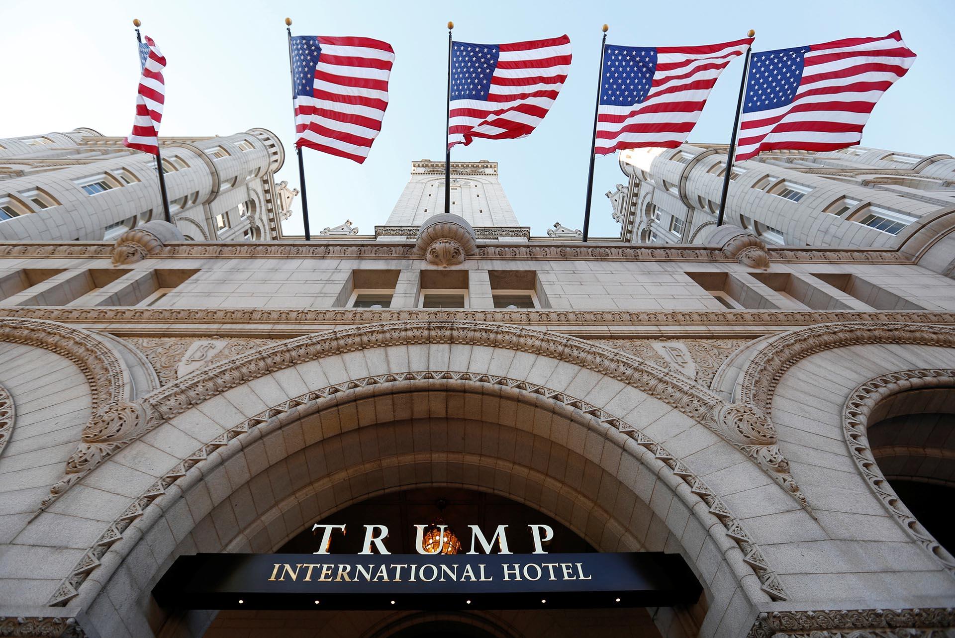 Resultado de imagen para trump inaugura hotel