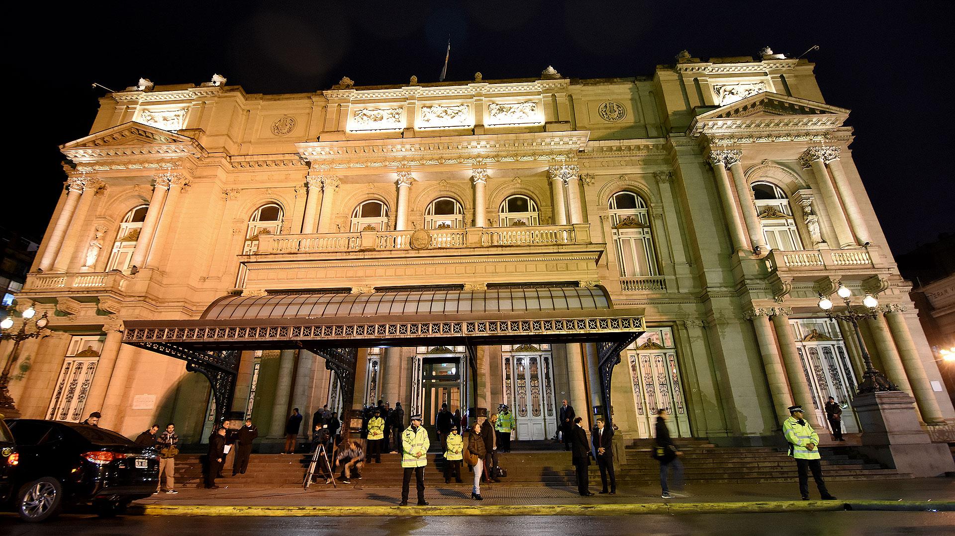 Teatro Colón, escenario del inicio del Foro de Inversiones y Negocios, con el que el gobierno de Mauricio Macri espera cambiar el escenario económico del país.