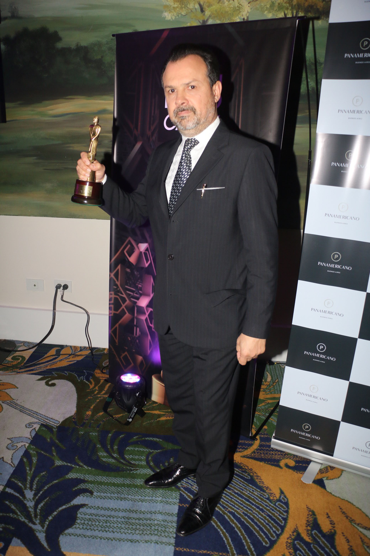 Gustavo Sylvestre ganó por su Labor Conducción Masculina (Verónica Guerman / Teleshow)