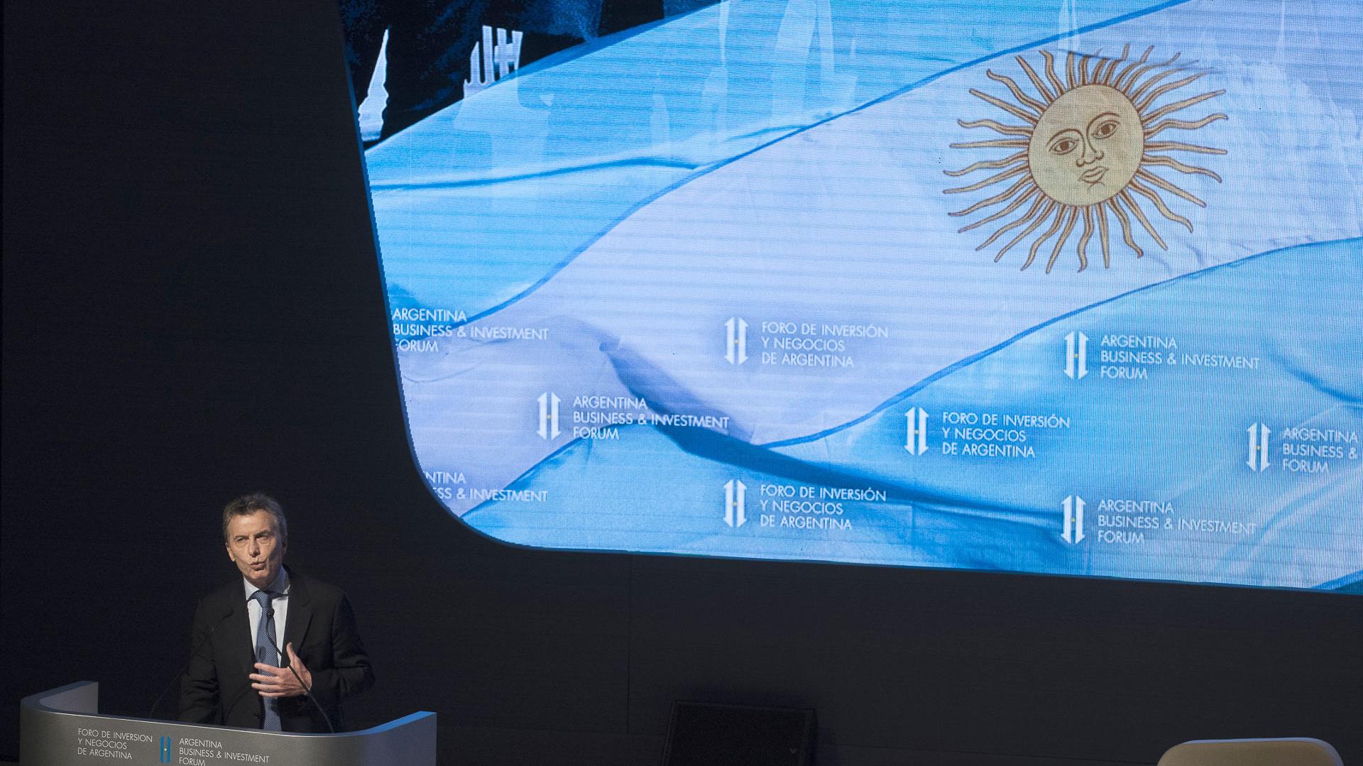 """""""Su confianza y su presencia en el foro ratifican esta nueva etapa que hemos comenzado a recorrer, una etapa en el que el país está nuevamente en marcha, en la que los argentinos nos miramos a nosotros mismos con optimismo y sensatez"""", afirmó el Presidente"""