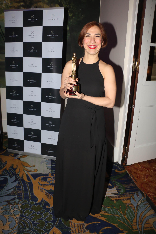 Laura Oliva ganó el premio a Labor Conducción Femenina