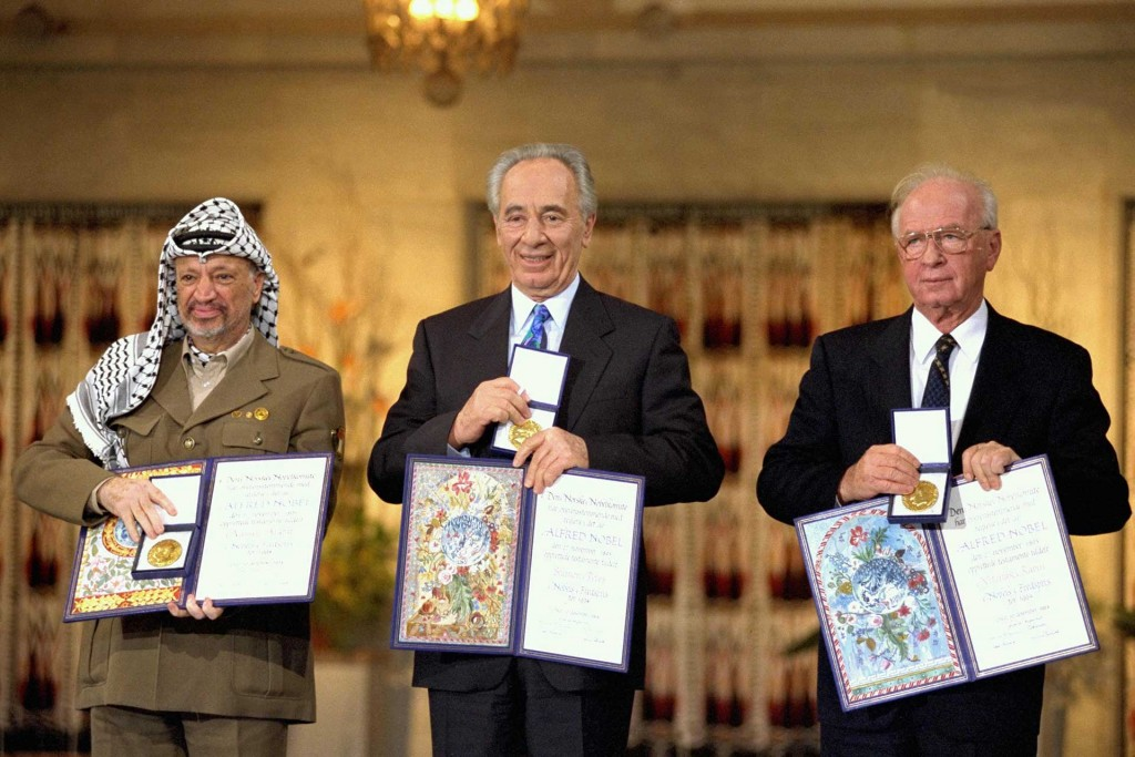 Arafat, Peres y Rabin durante la entrega del Premio Nobel por la paz en 1994