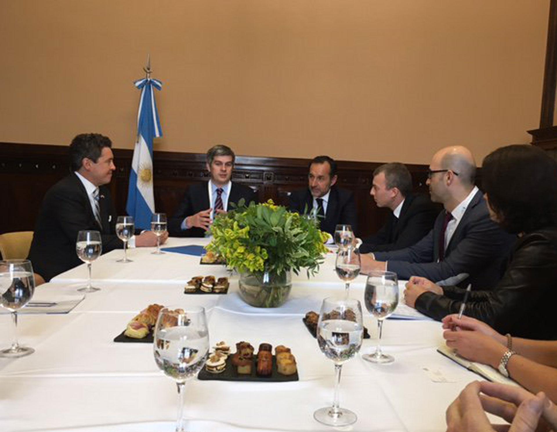 La delegación Trade Winds reunida con Marcos Peña