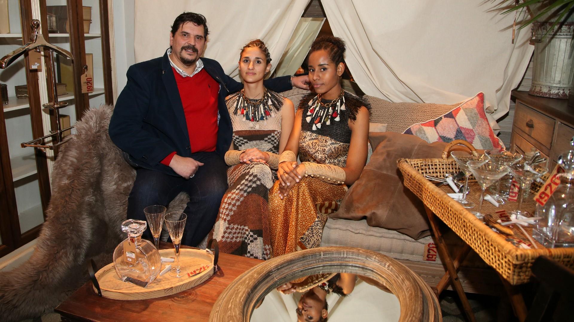 El diseñador Marcelo Senra y sus modelos