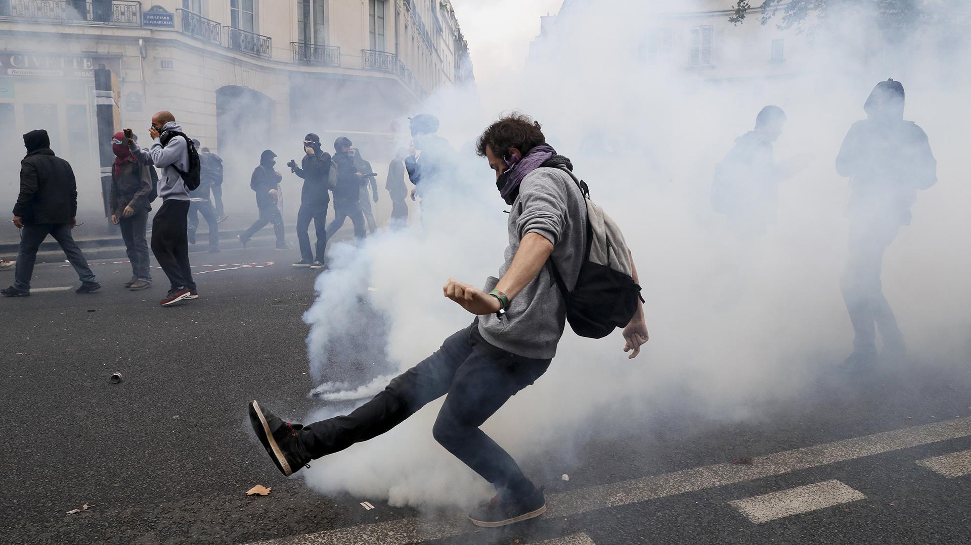 Unas 13.000 personas marcharon en la capital francesa según la Policía, 40.000 según fuentes sindicales (AFP)
