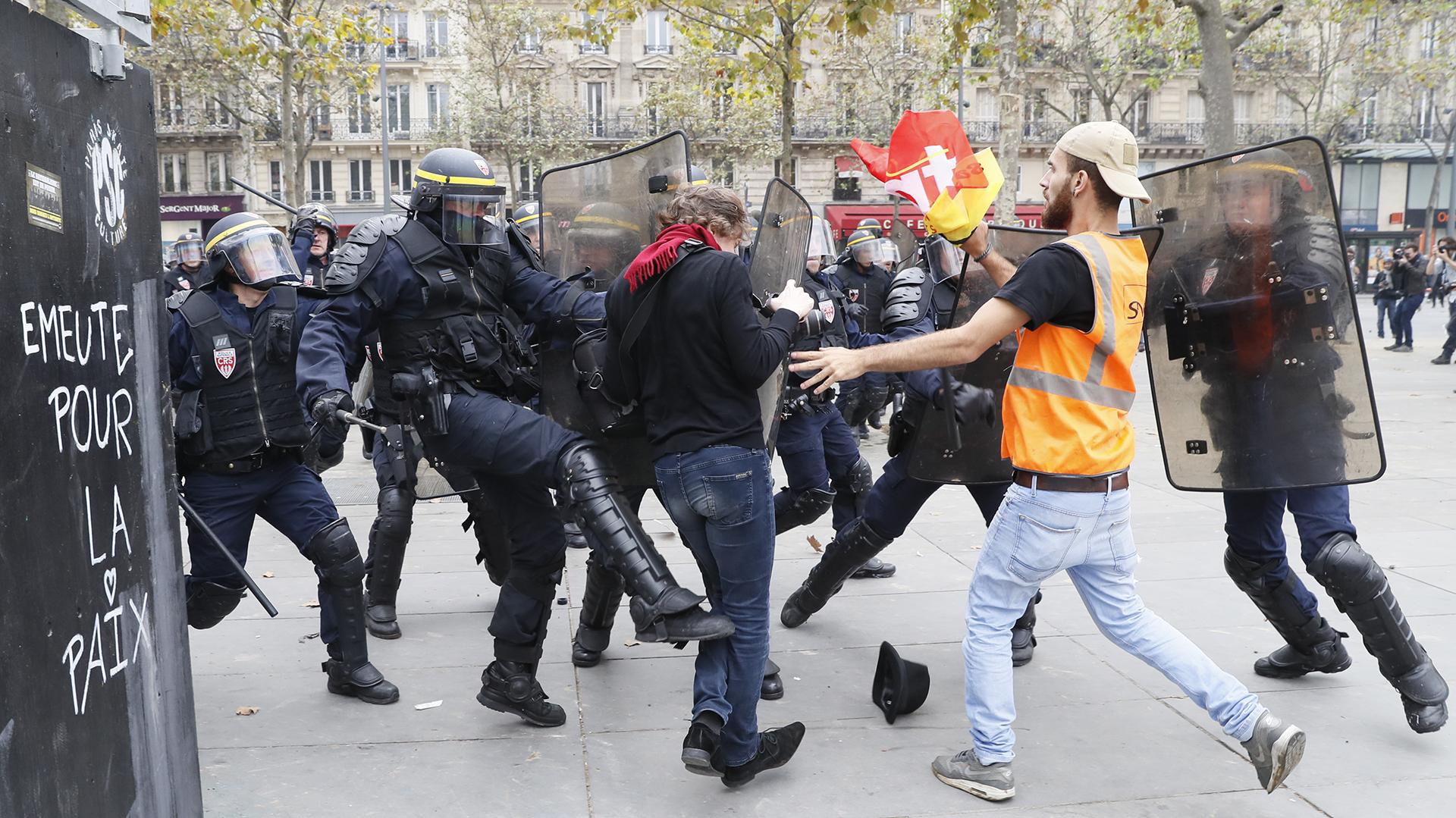 Los sindicatos denunciaron que la reforma laboral del gobierno socialista atenta contra los derechos de los trabajadores (AFP)