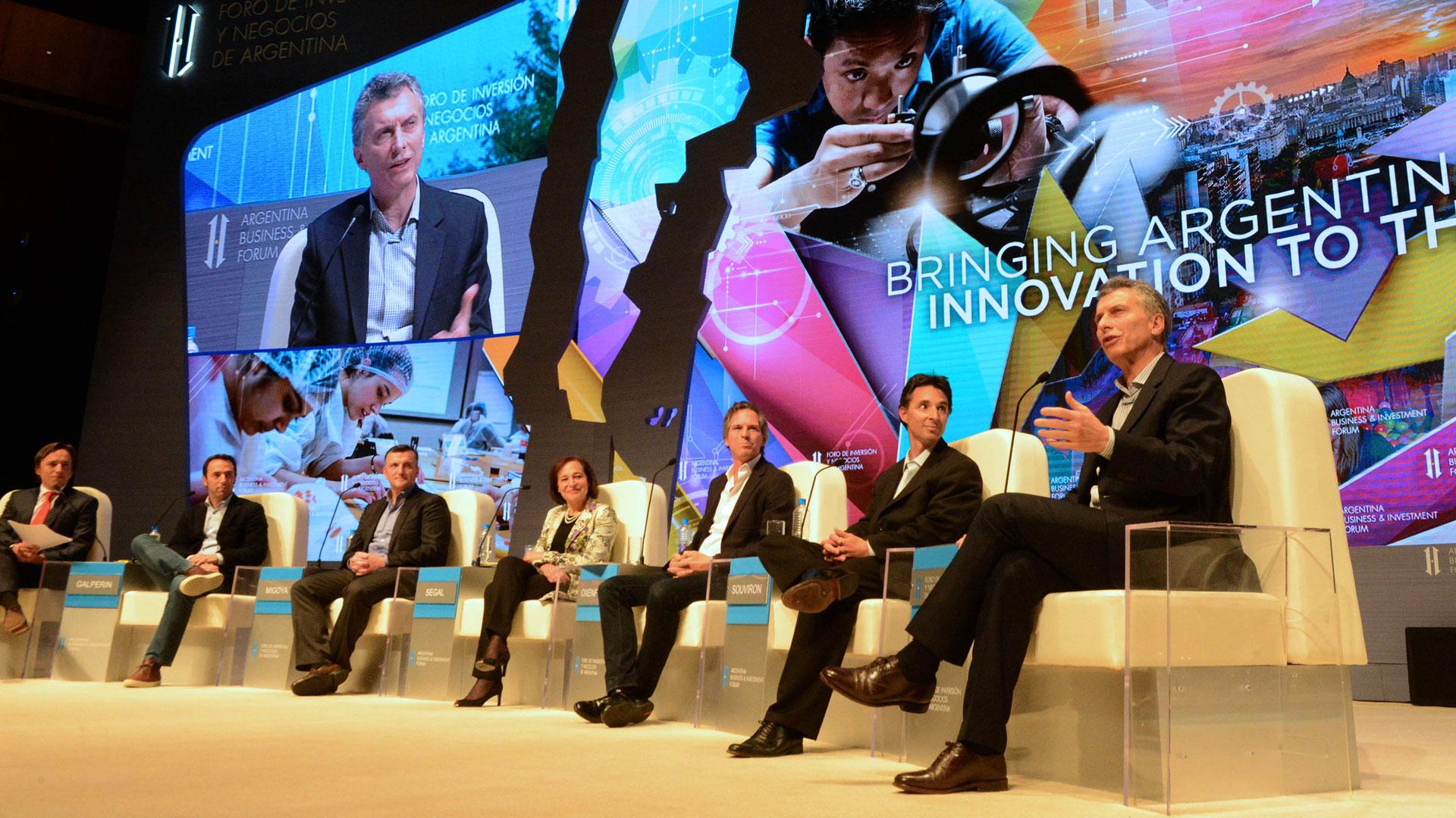 Mauricio Macri compartió panel con Mercado Libre, Despegar, OLX y Globant