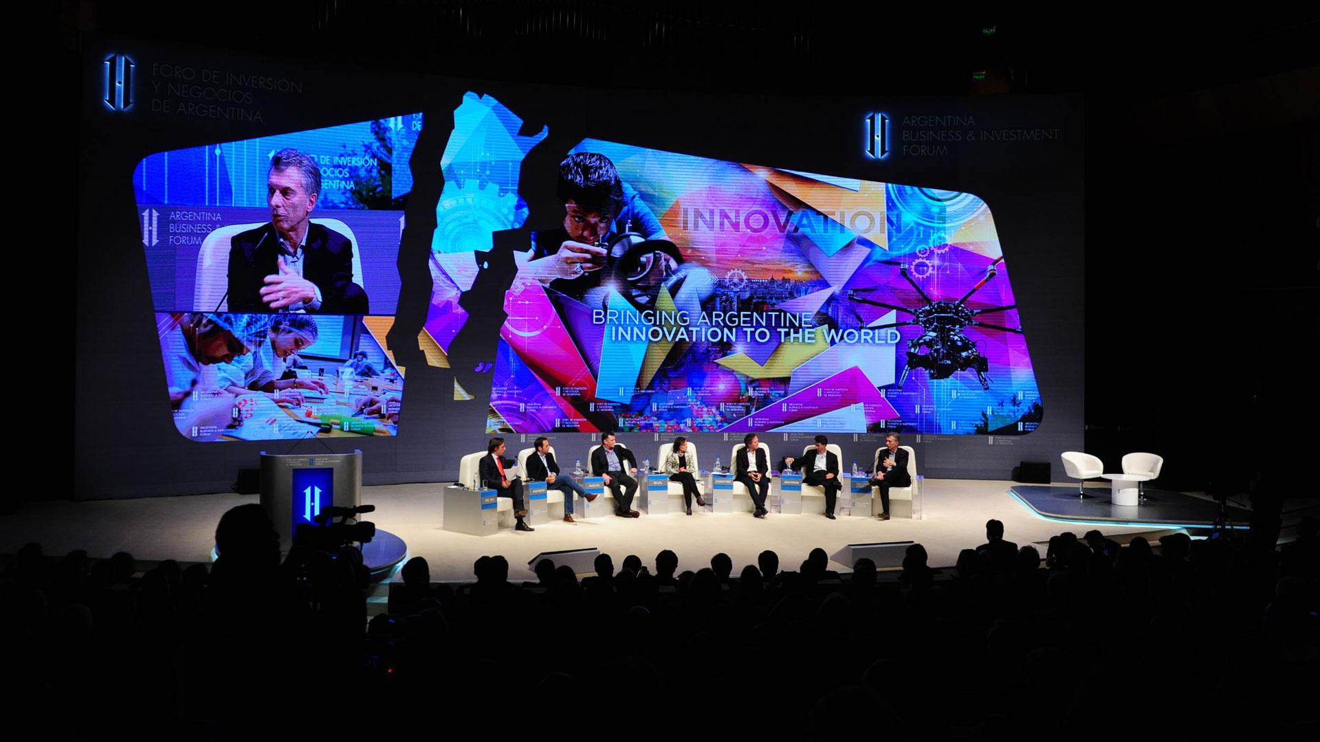 El jefe de estado compartió una conversación descontracturada con los fundadores de Mercado Libre, Despegar, OLX y Globant (Télam)