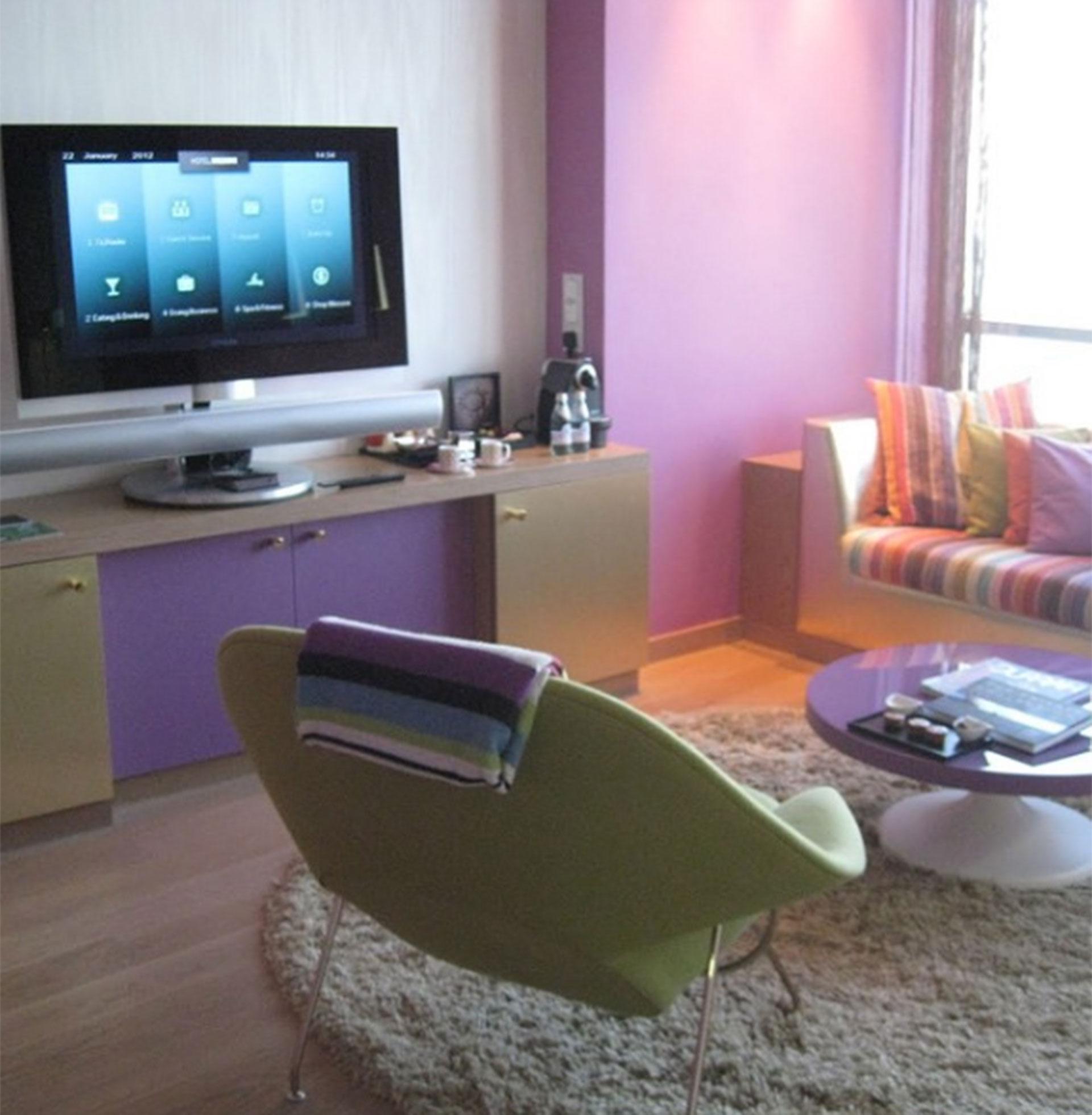 En un hotel en Kuwait. Jeppesen realizó acuerdos con cadenas hoteleras para que lo alojaran a cambio de nombrarlas en su popular blog
