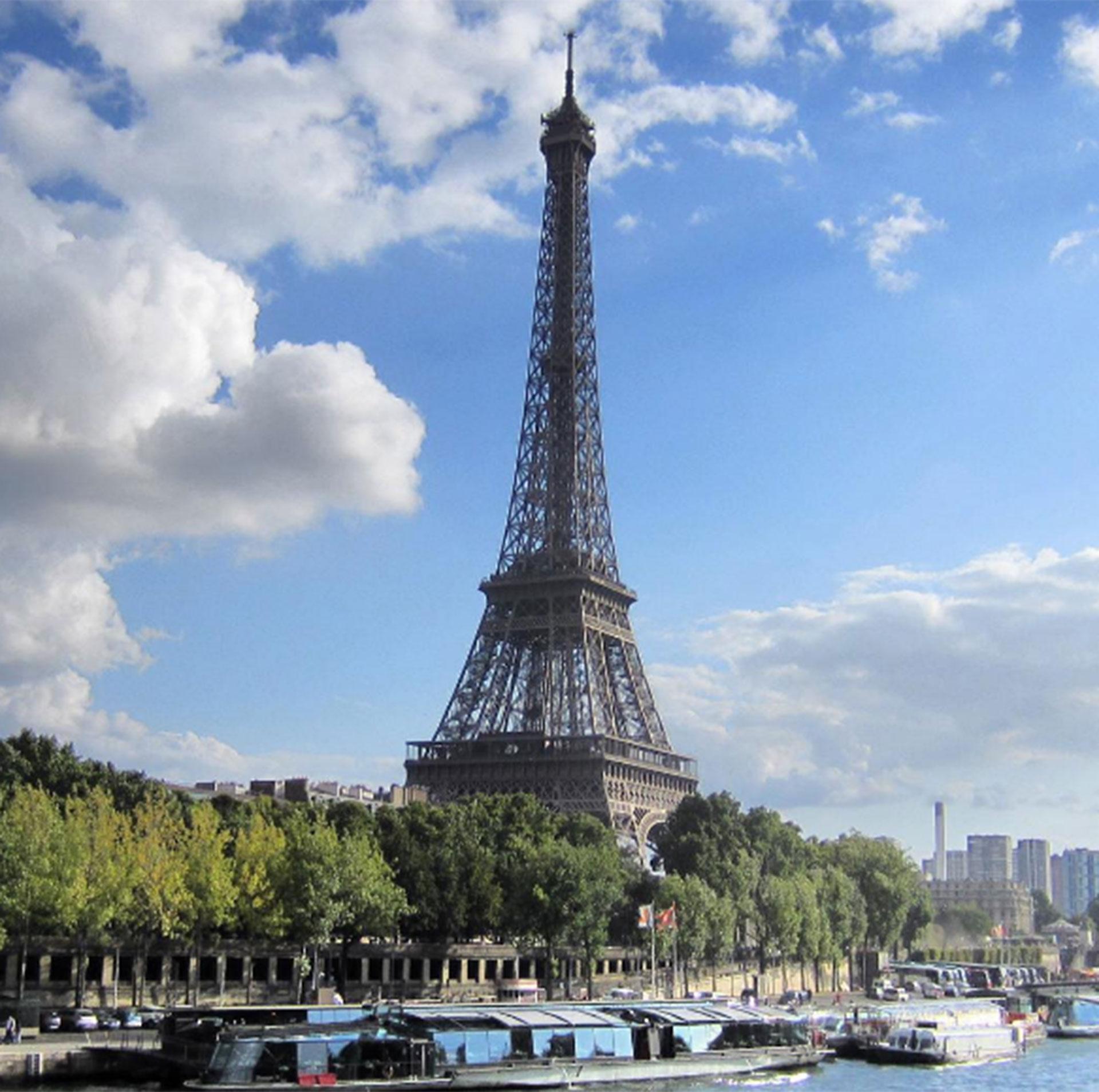 Paris, Francia. Jeppesen recomienda a los viajeros comenzar sus aventuras por los países cercanos al suyo para acostumbrarse. Después, largarse a la aventura