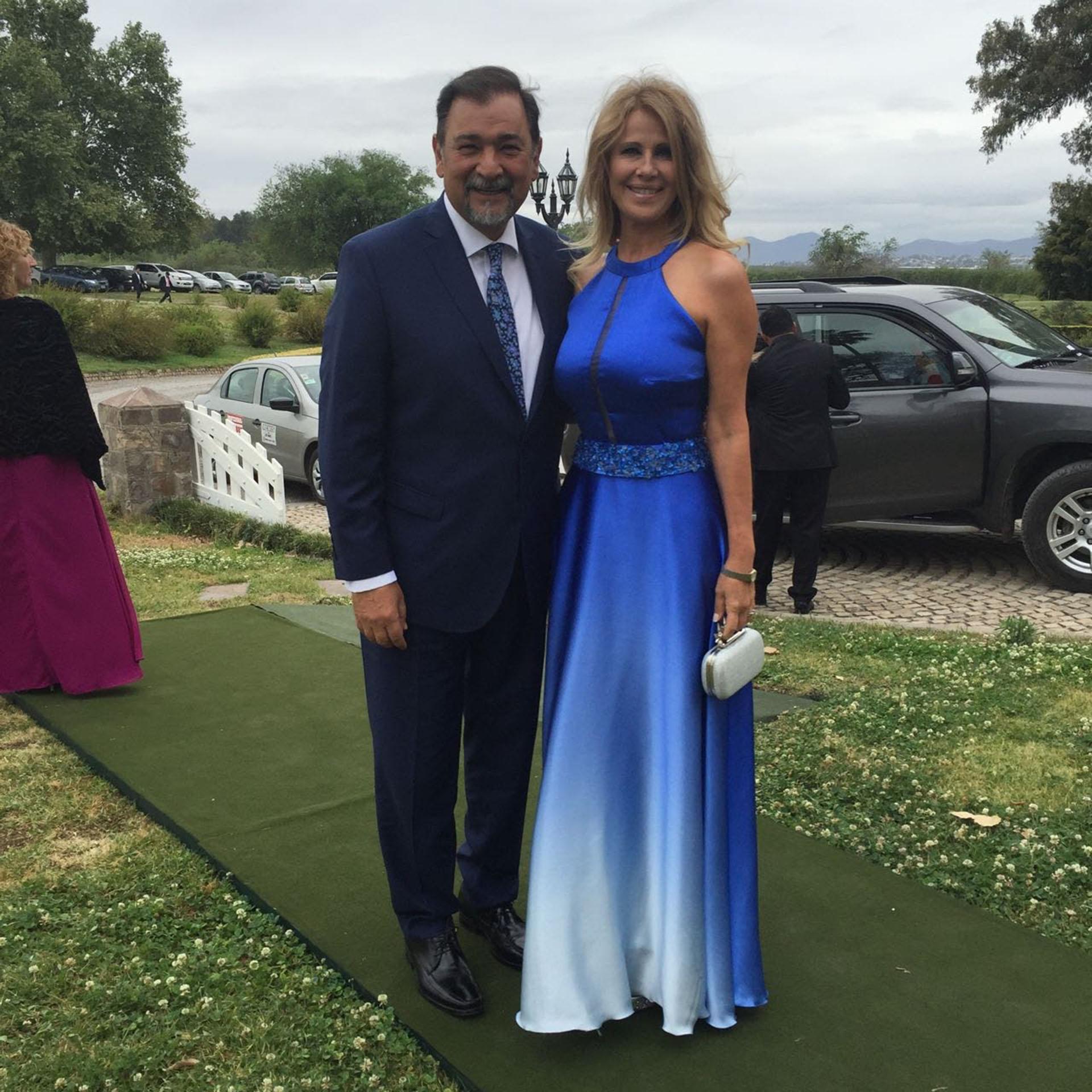 El vicegobernador Miguel Isa y su esposa Elizabeth Kiriaco Turitich
