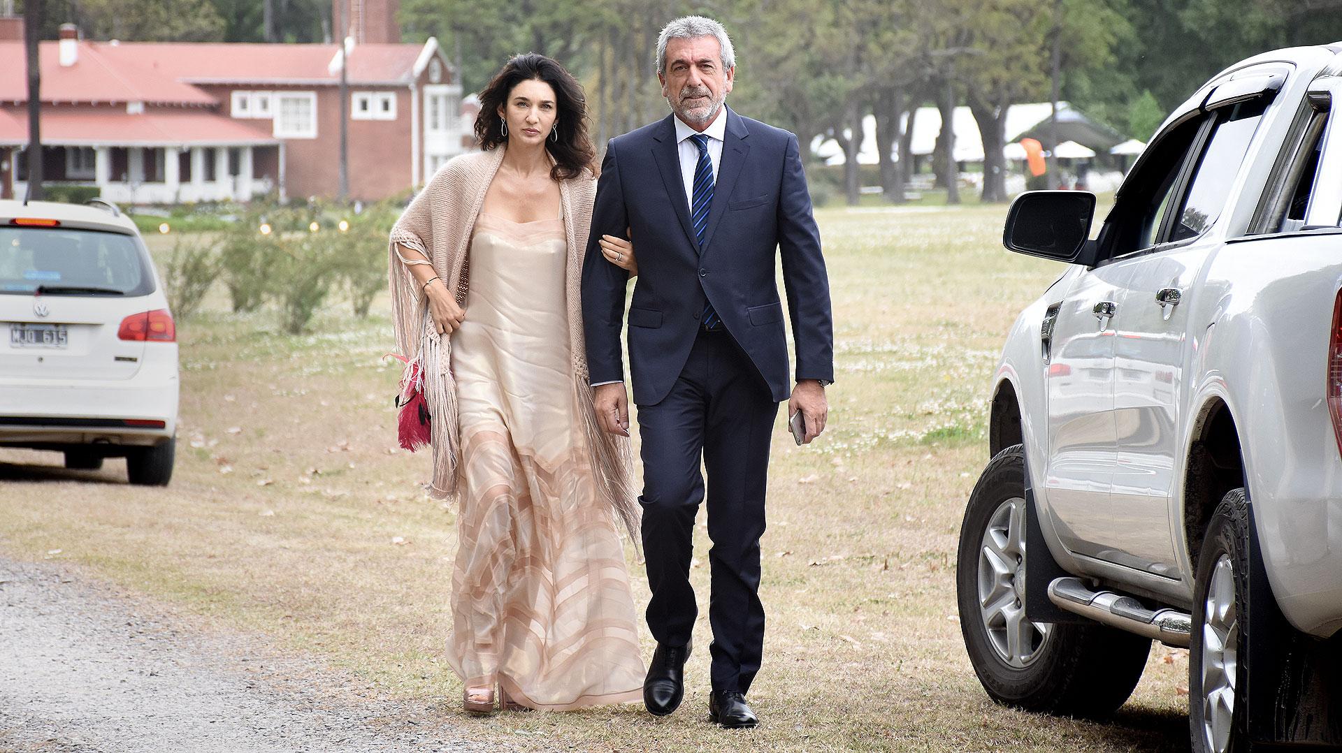 Daniel Awada, uno de los testigosde la boda, junto a Yanina Solnicki.