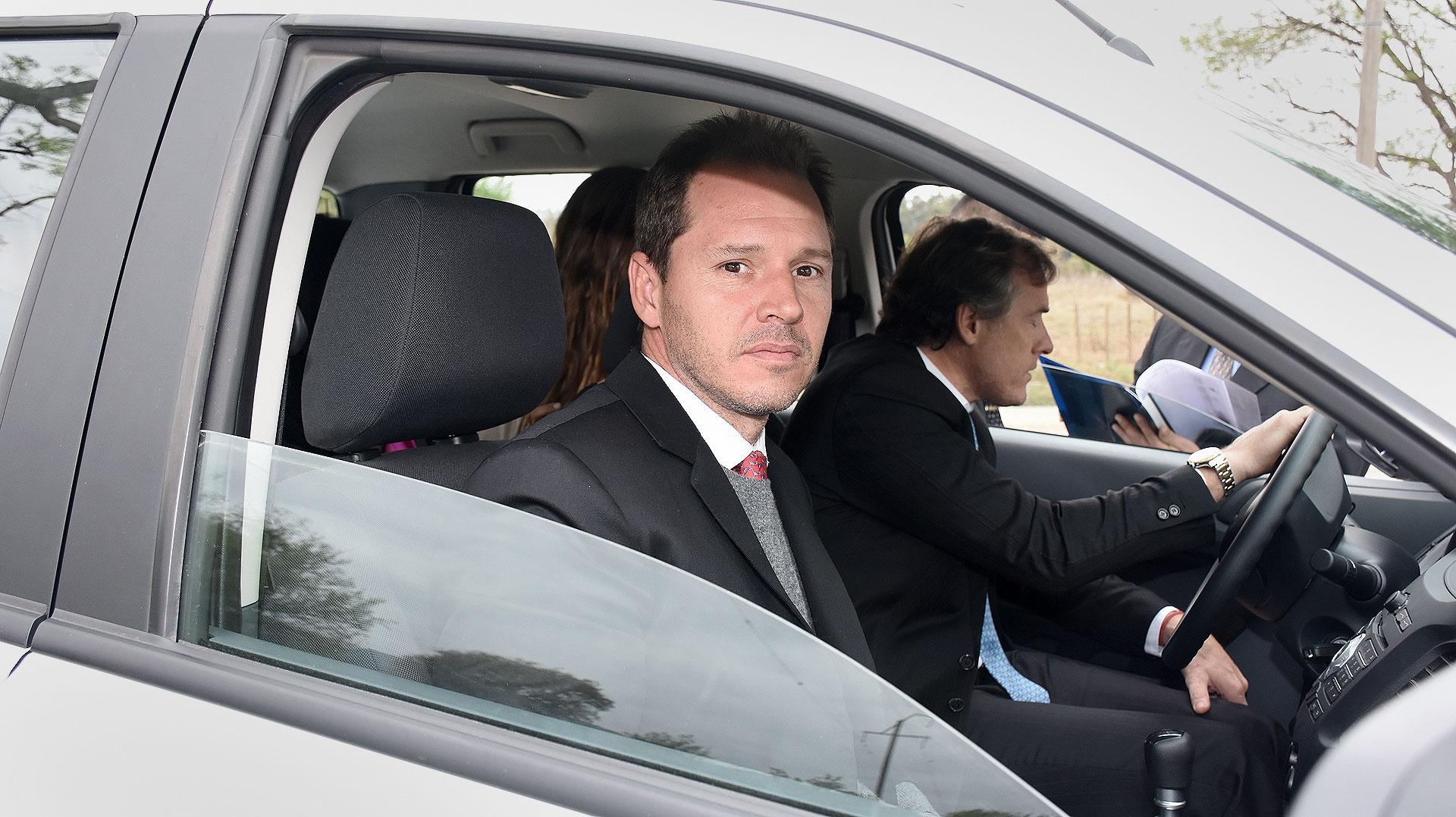Jorge Brito (hijo) en la entrada del casamiento.