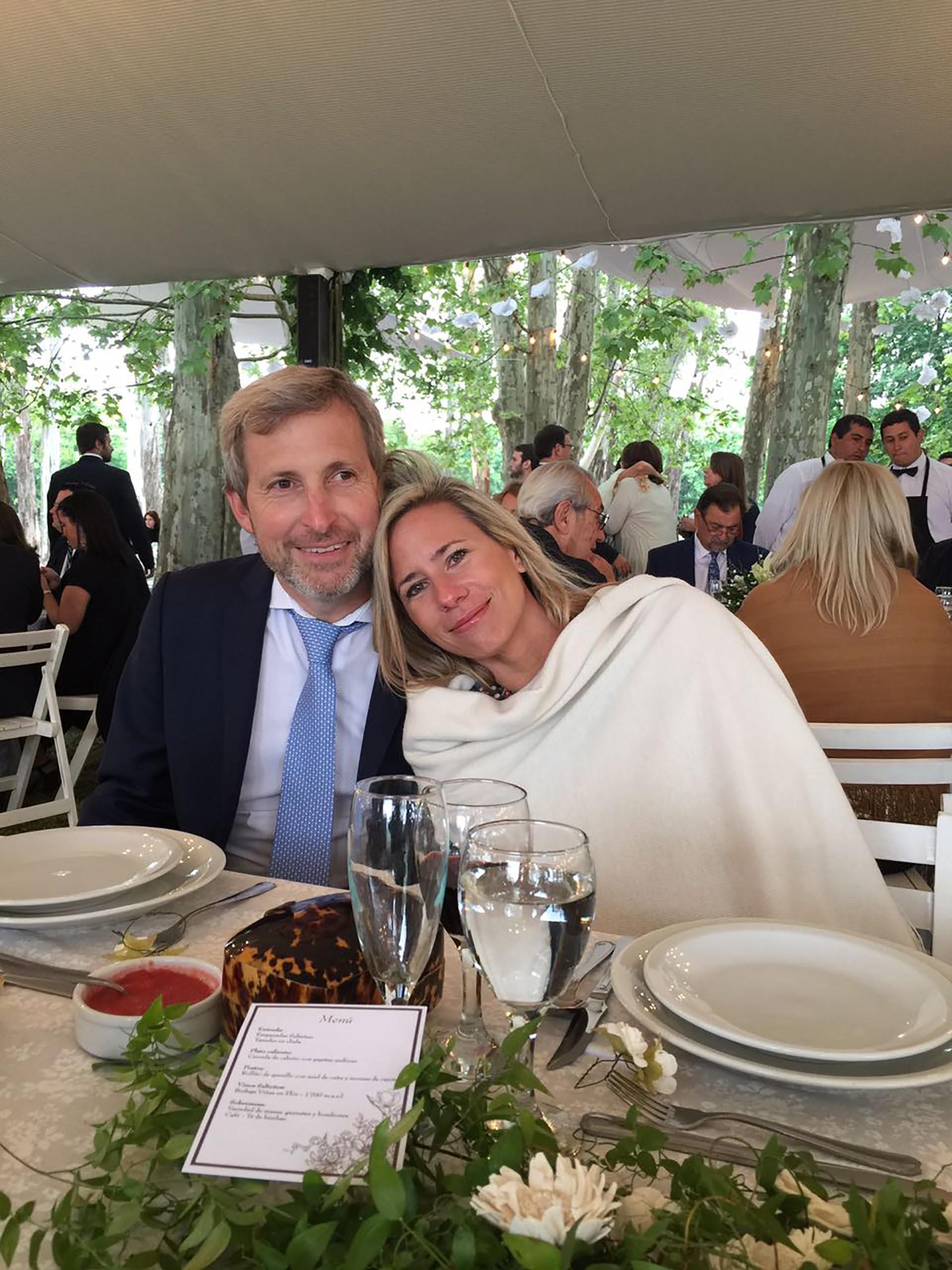 El ministro Rogelio Frigerio y su esposa Victoria Costoya