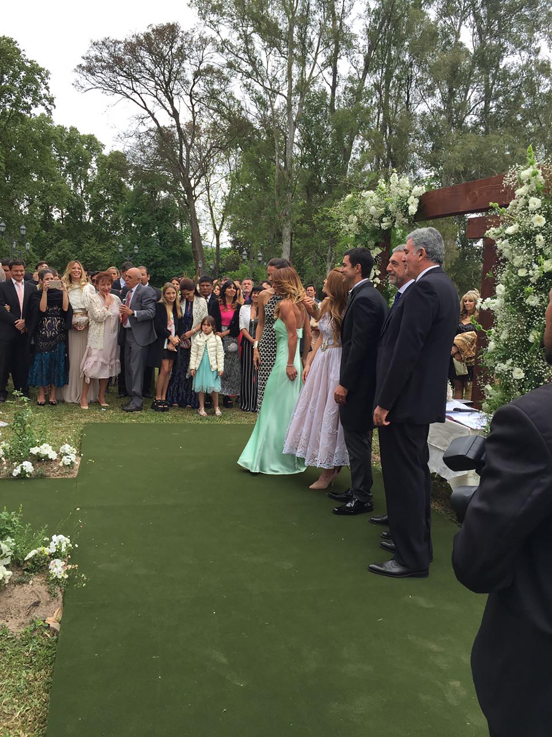 Los invitados compartieron en las redes sociales las fotos del momento