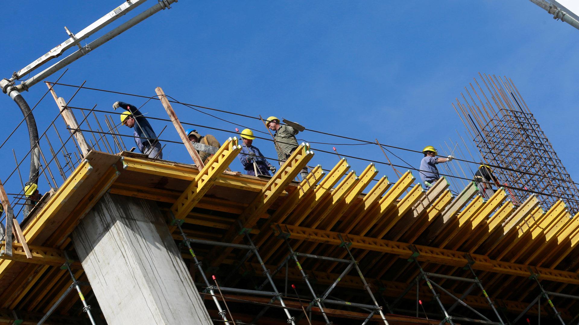 La obra pública y privada recobró impulso y se proyecta un segundo trimestre con singular repunte (Reuters)