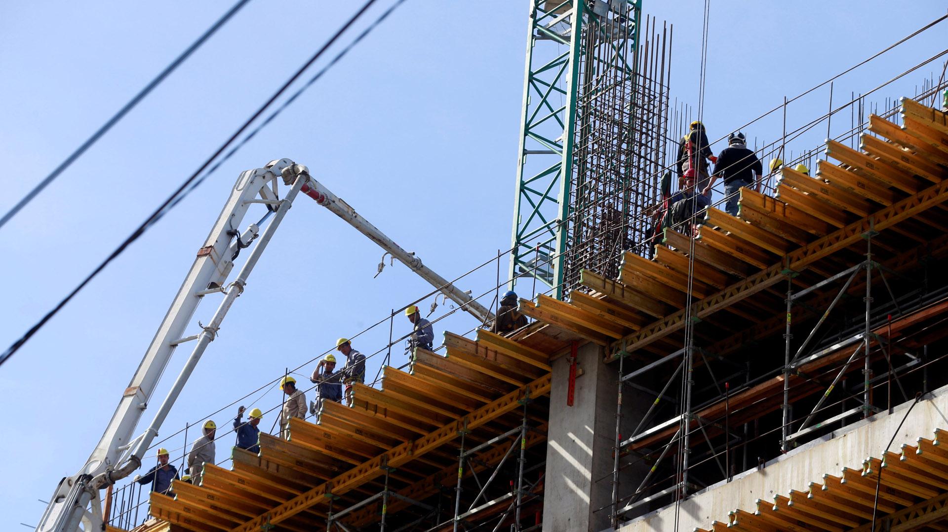 En diciembre se registraron 418.456 obreros de la construcción (Reuters)
