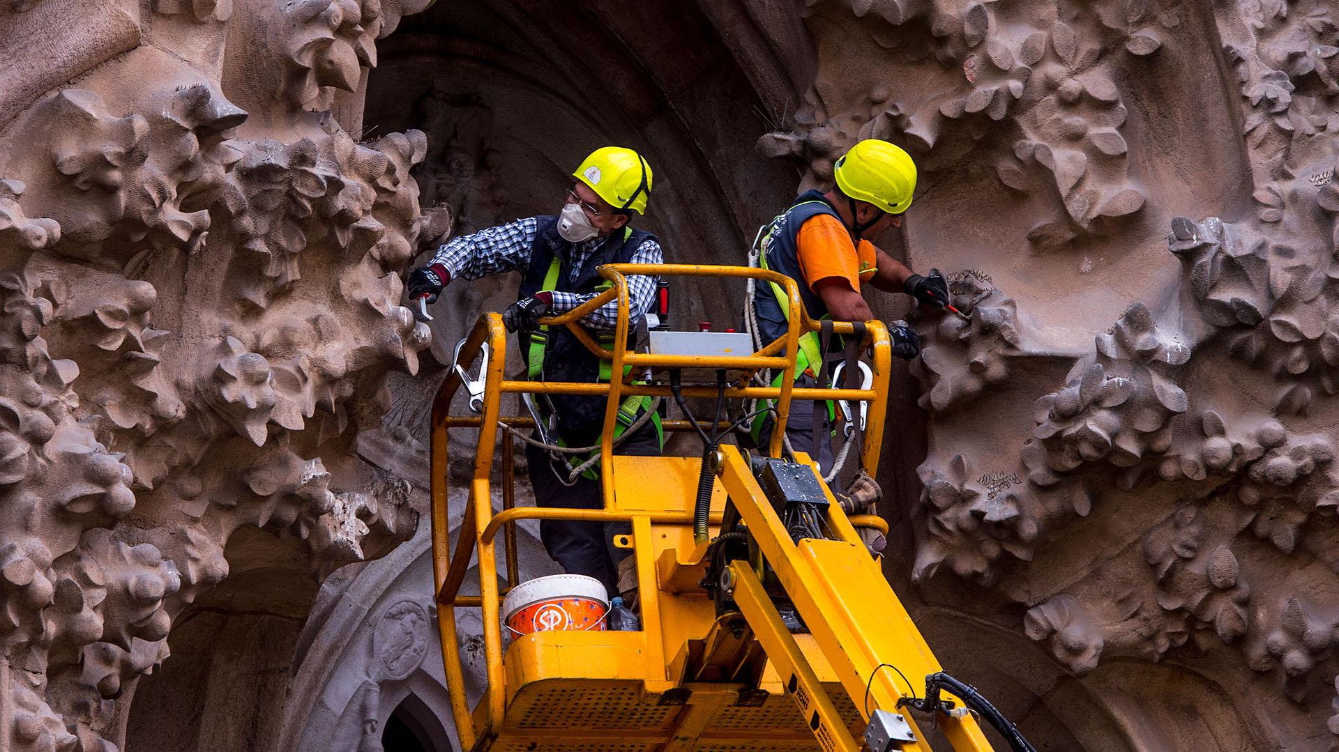Trabajos sobre la fachada del Nacimiento, también llamada de Levante, la única construida en vida por Gaudí