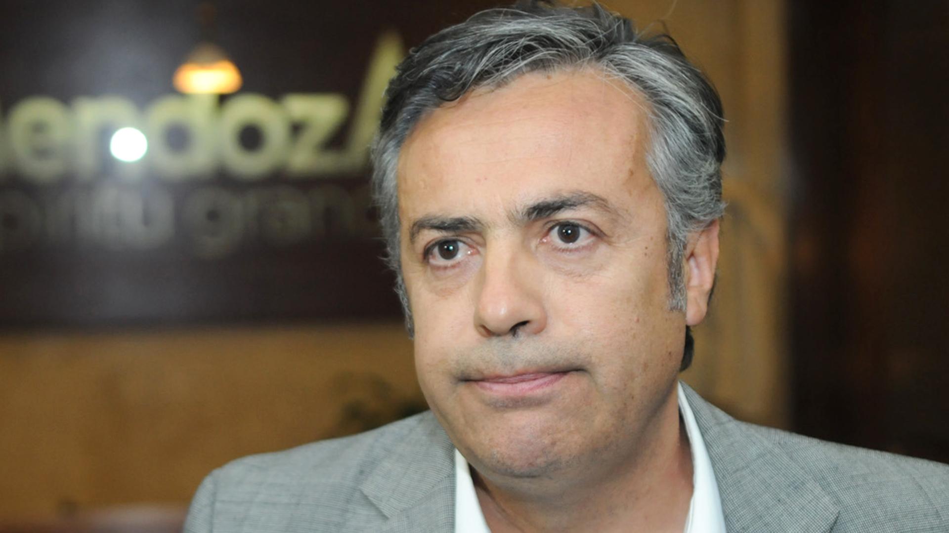 Alfredo Cornejo, presidente de la UCR y gobernador de Mendoza